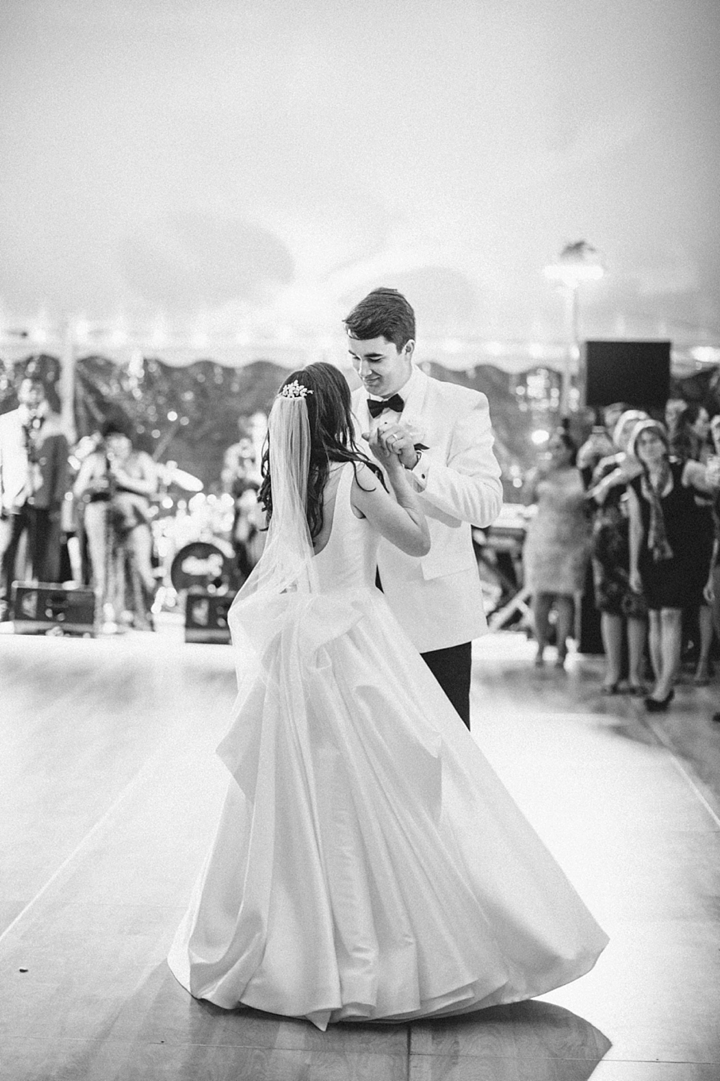 rumson-tented-wedding-nj-maine-conneticut-classic_0056.jpg