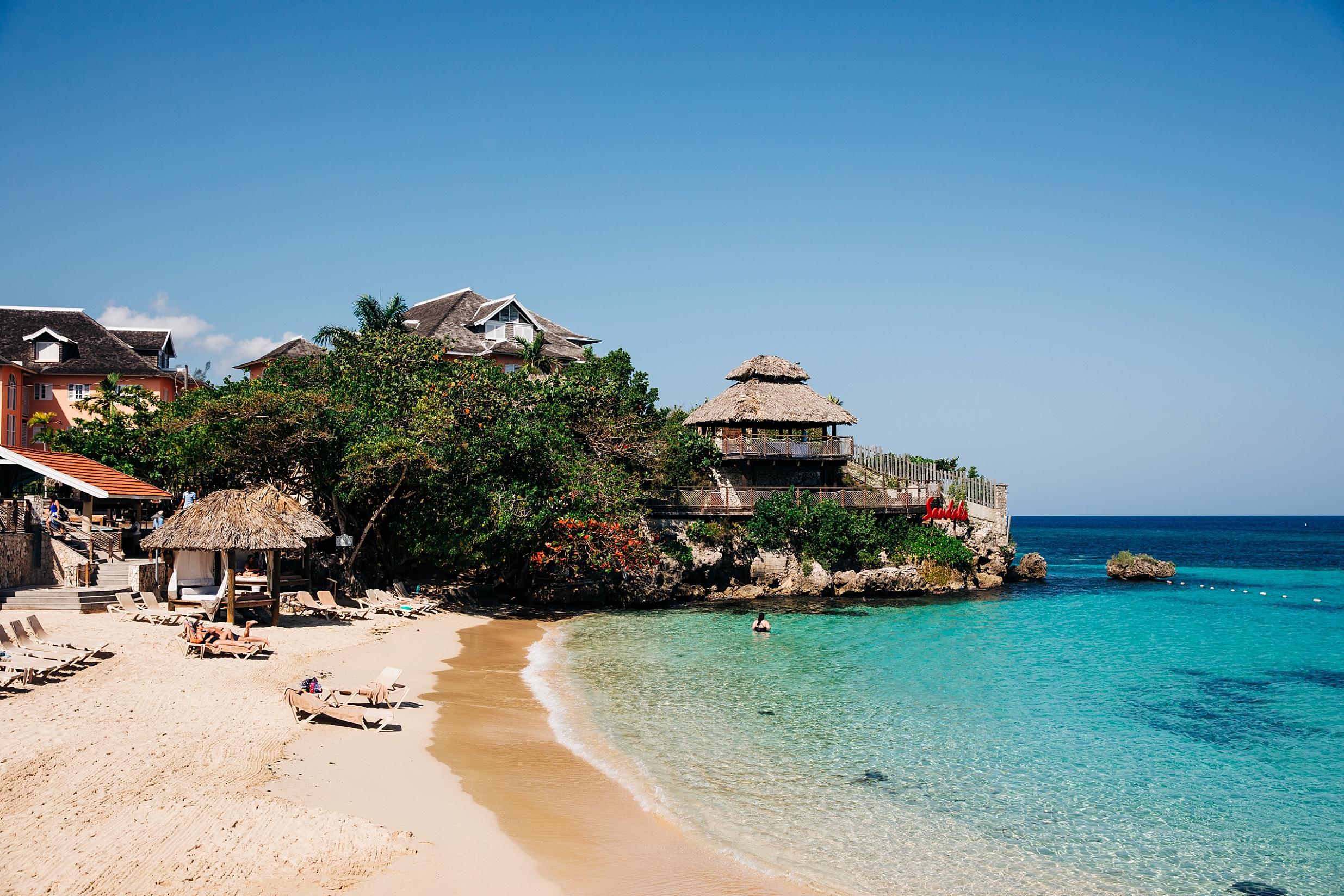 jamaican-wedding-sandals-wedding-destination-beach-intimate_0002.jpg