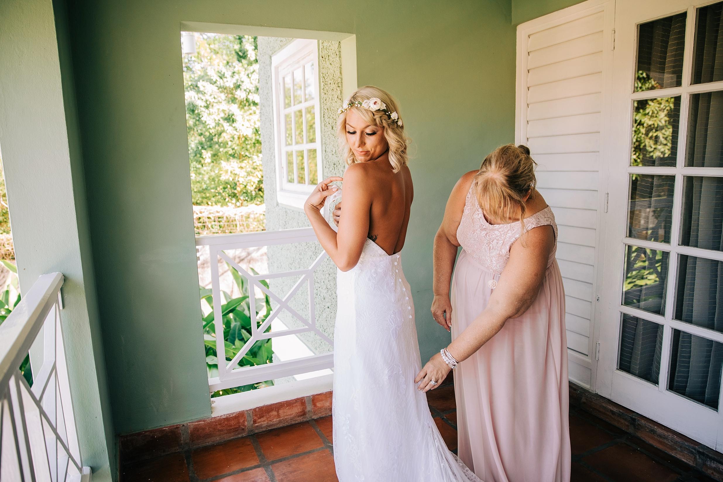 jamaican-wedding-sandals-wedding-destination-beach-intimate_0119.jpg