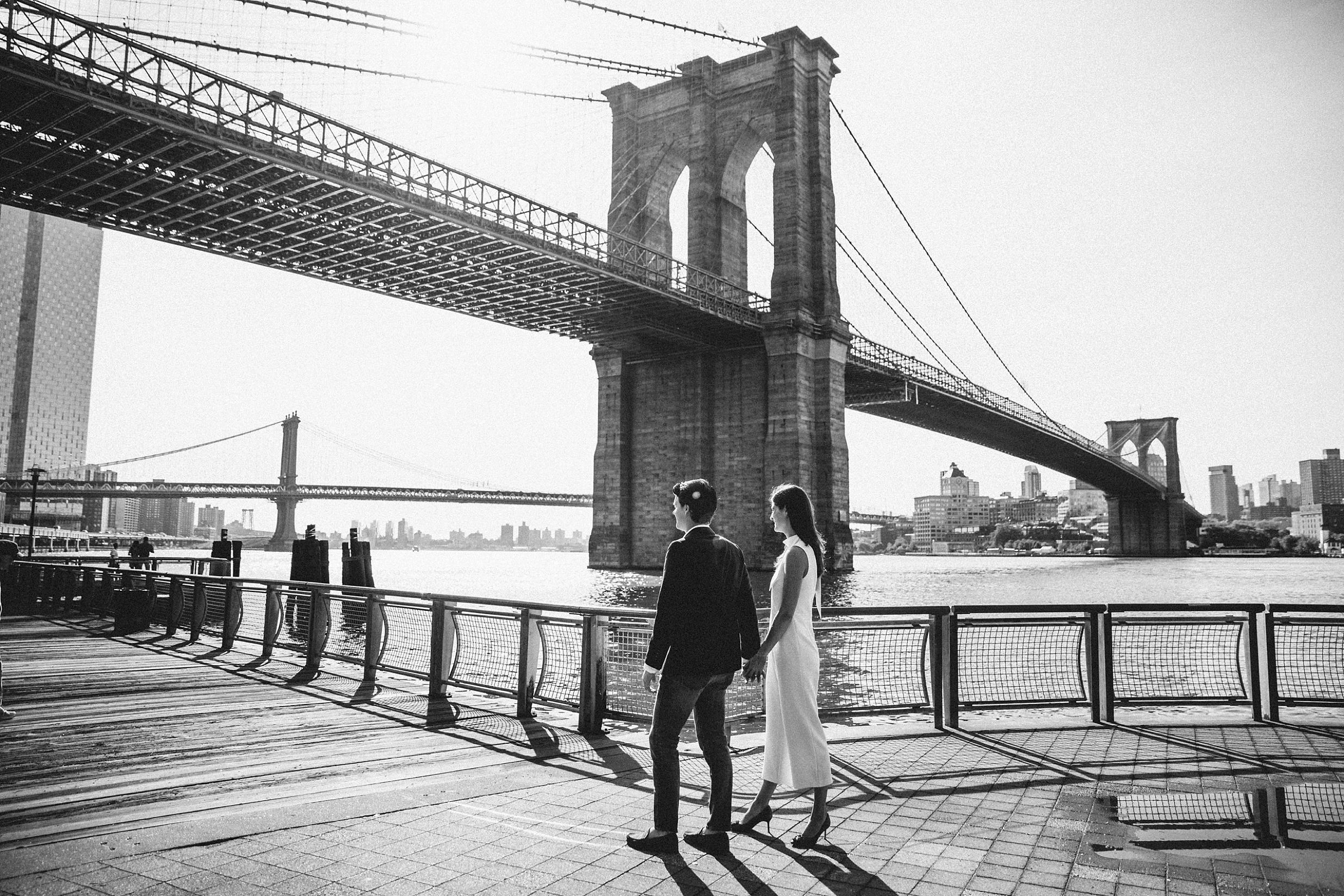 brooklyn-bridge-manhattan-engagement-session-photography-jumsuit_0015.jpg