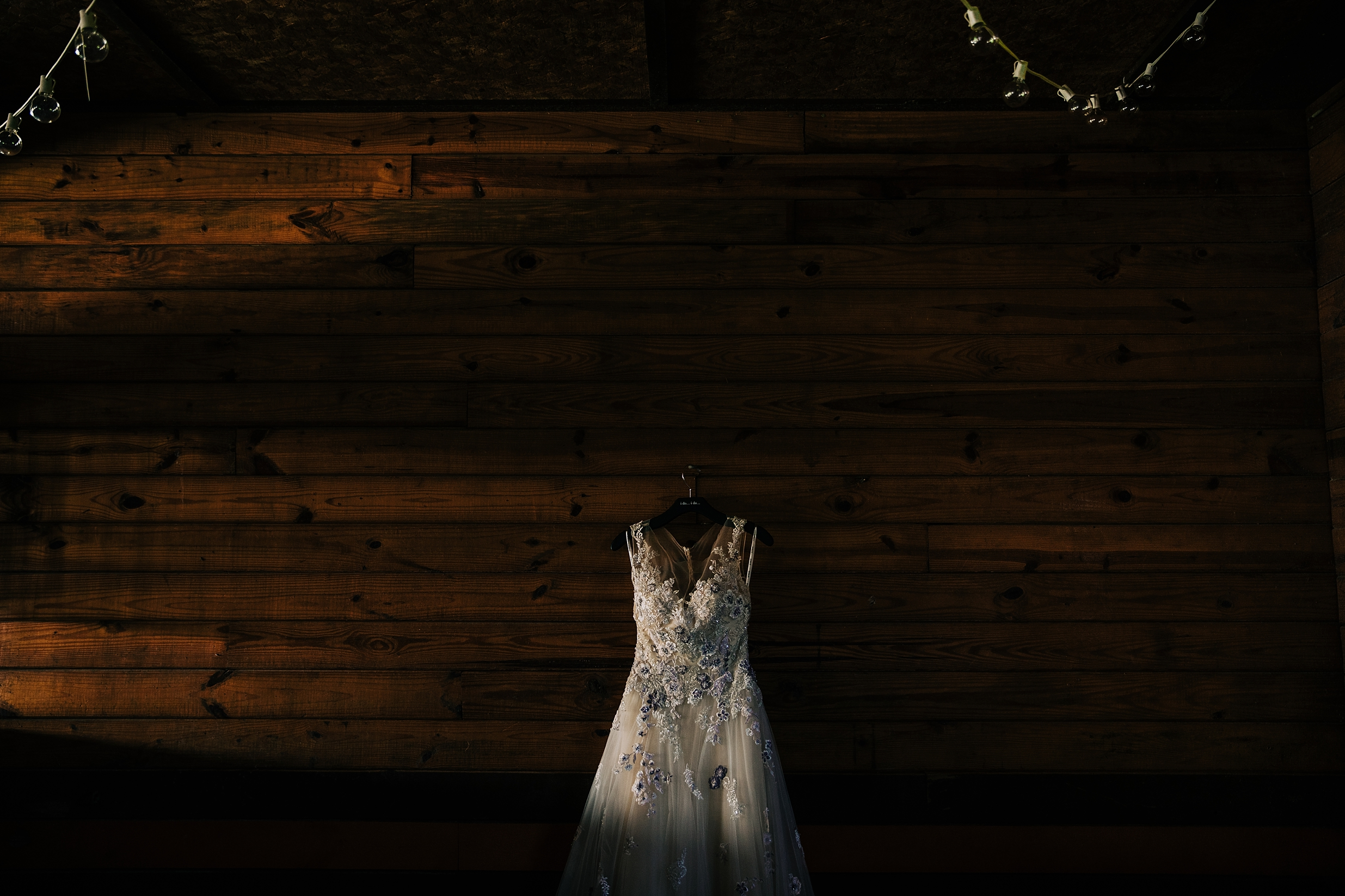 historic-upstate-ny-wedding-church-backyard-photographer_0001.jpg
