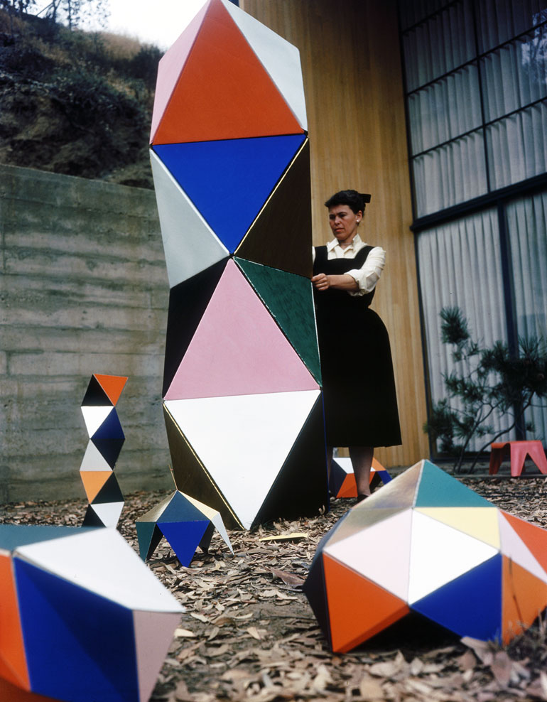 vitra-design-museum-play-parade-eames-toy.jpg