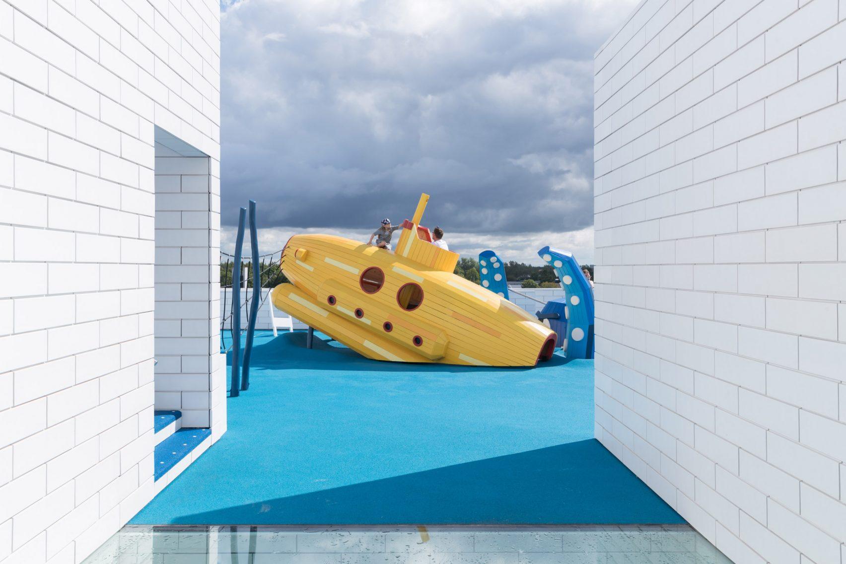 lego-house-big-photographs-iwan-baan-billund-denmark-architecture_dezeen_2364_col_1-1704x1136.jpg