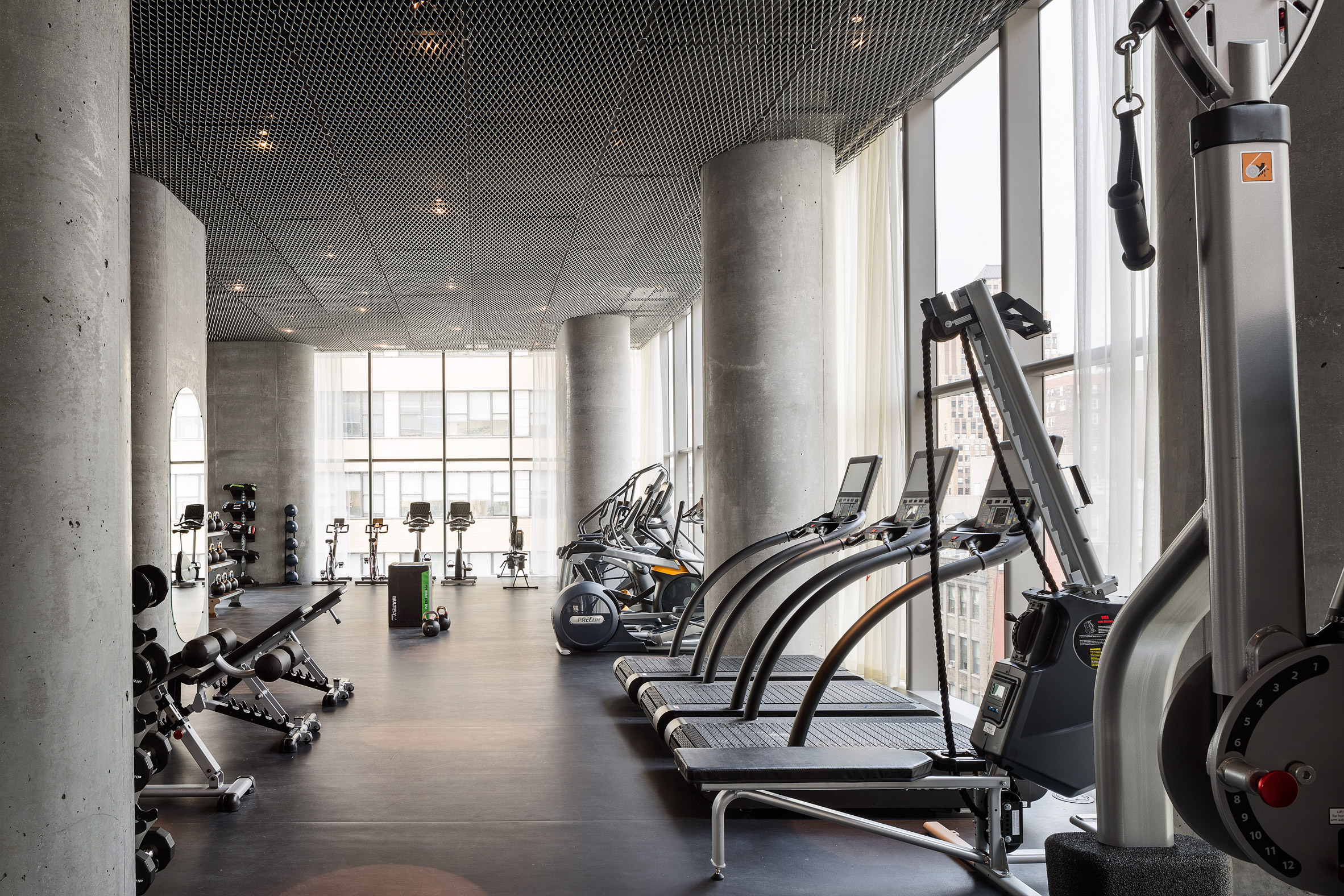 56-Leonard-Fitness.jpg