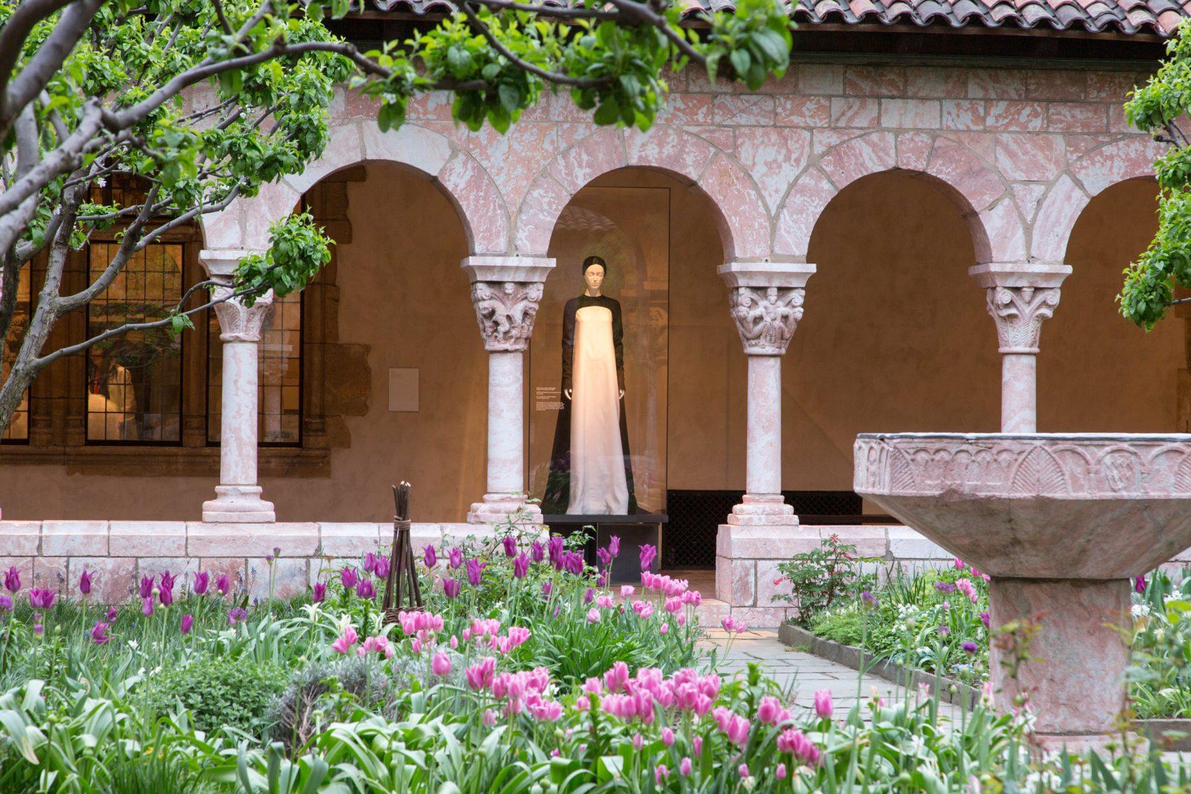 heavenly-bodies-the-met-cloisters-exhibit-new-york-city-usa_dezeen_2364_col_7-1704x1136.jpg