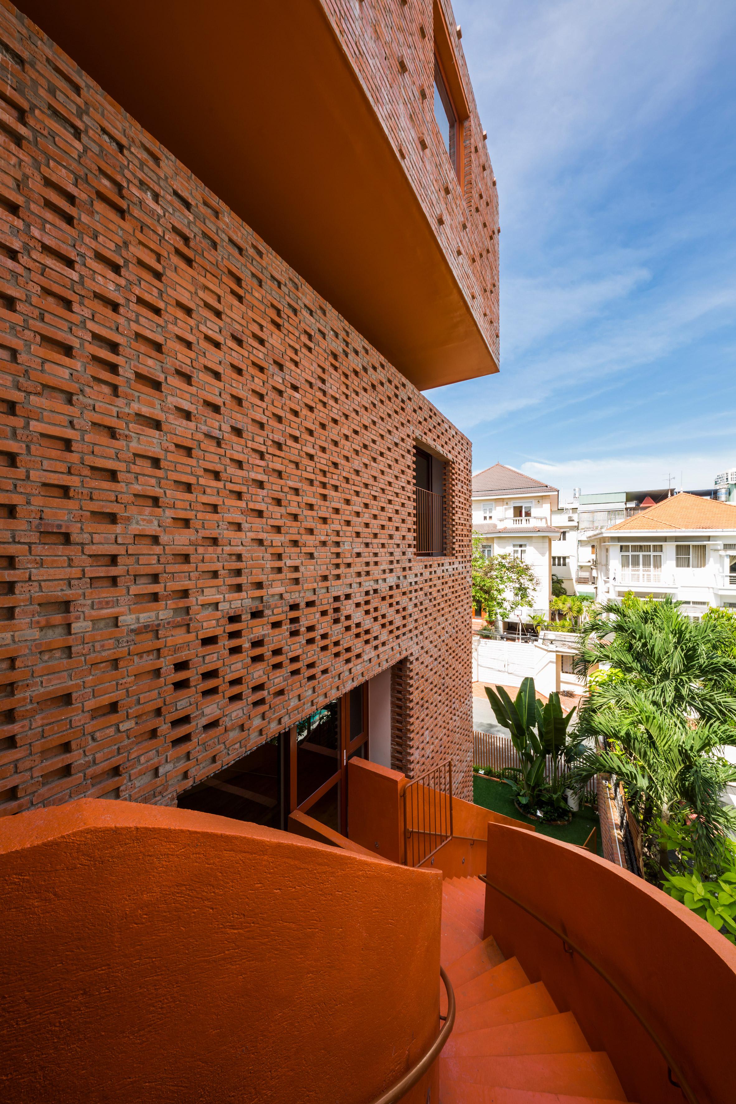chuon-chuon-kim-kindergarten-kientruc-o-architecture-education-vietnam_dezeen_2364_col_12.jpg
