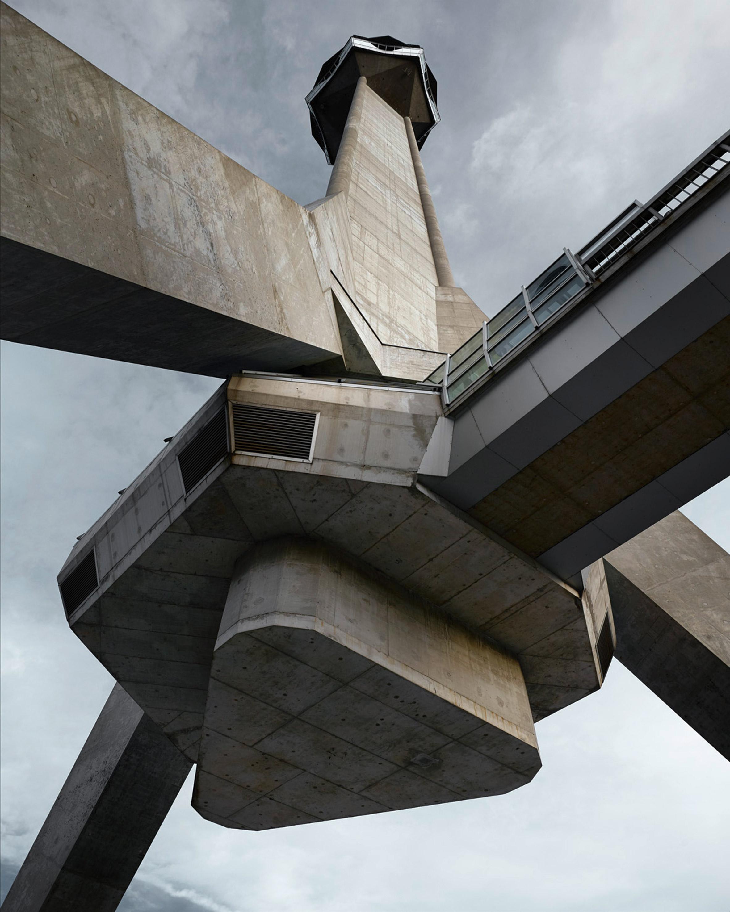 valentin-jeck-photographs-moma-toward-a-concrete-utopia-architecture-yugoslavia_dezeen_2364_col_2.jpg