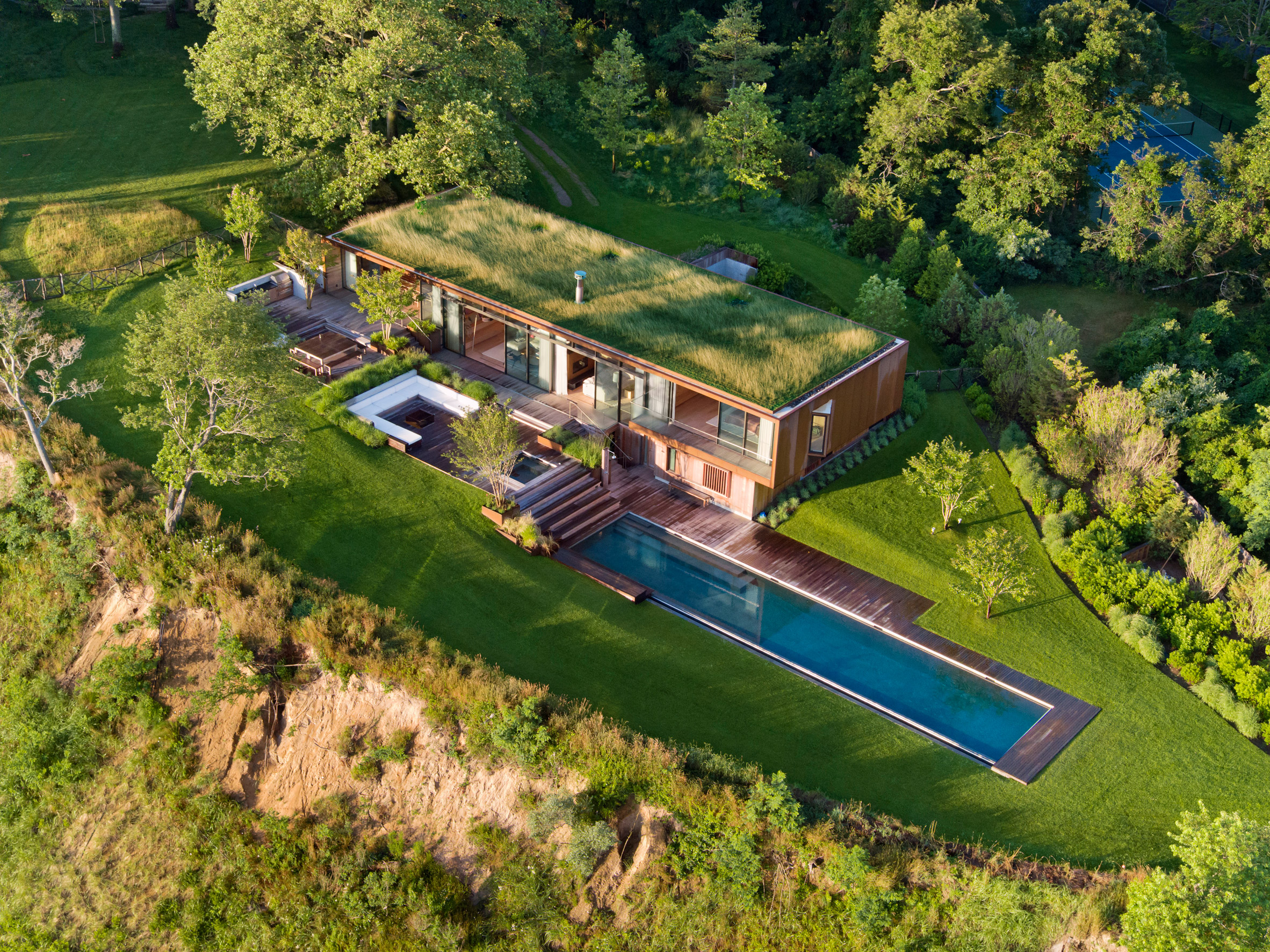 peconic-house-mapos-studio-hamptons-long-island-new-york_dezeen_2364_col_2.jpg