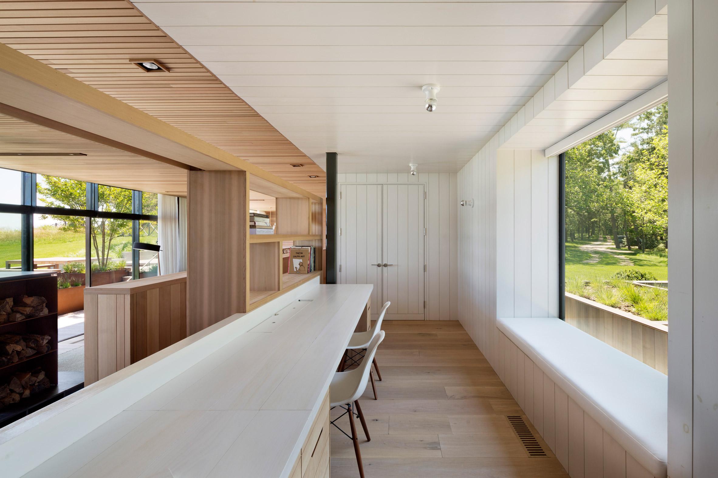 peconic-house-mapos-studio-hamptons-long-island-new-york_dezeen_2364_col_23.jpg