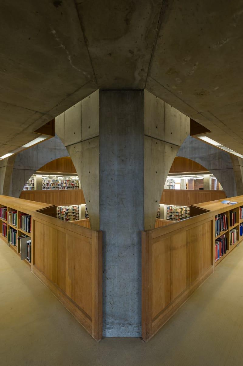 louis-kahn-xavier-de-jaureguiberry-library-at-phillips-exeter-academy 6.jpg