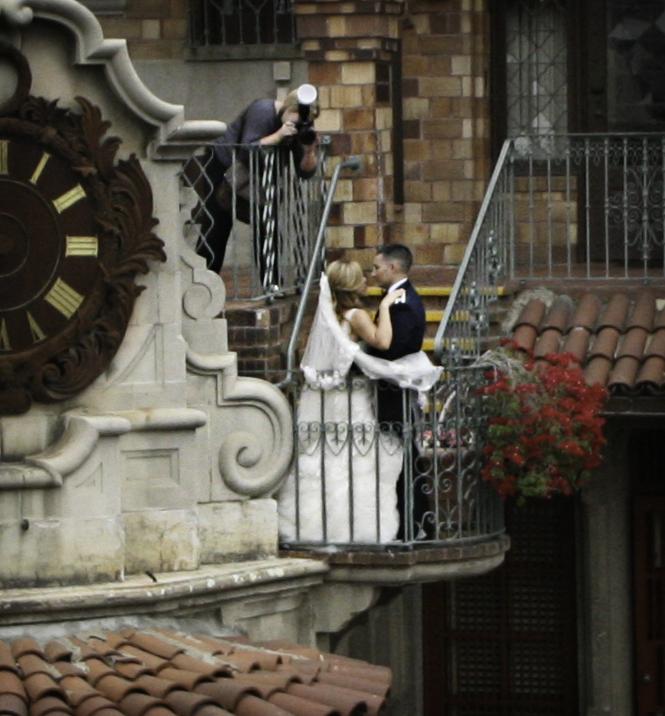 Sexy, Romantic Wedding, Behind the scenes