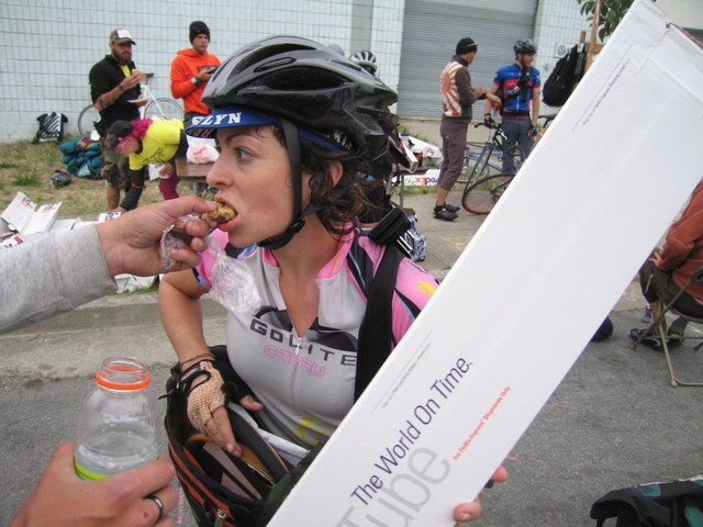 #TBT to 2007 San Francisco 4 hr North American Cycle Courier Championships! eating-on-the-go...