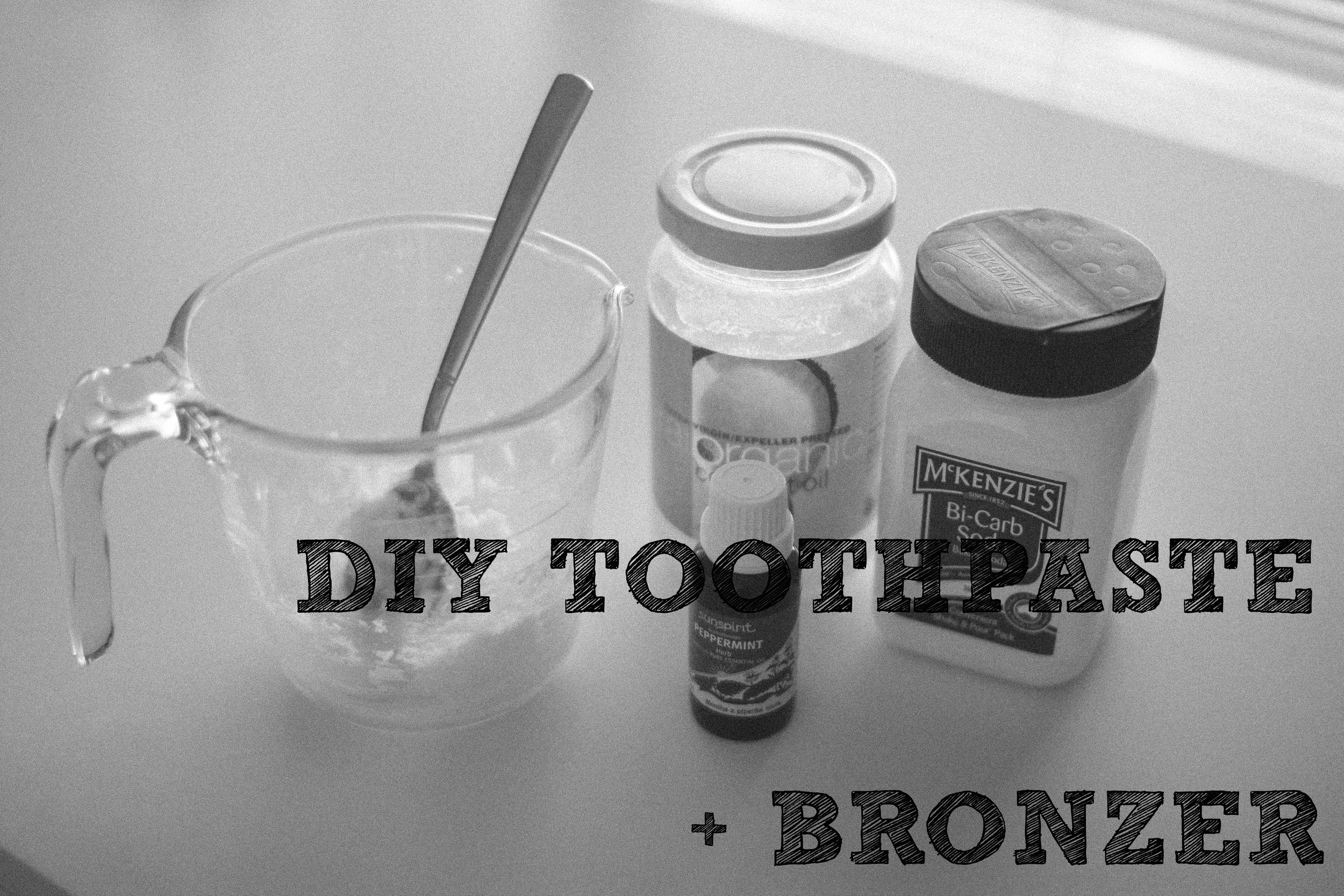 DIY Toothpaste Bronzer || rebeccashann.com