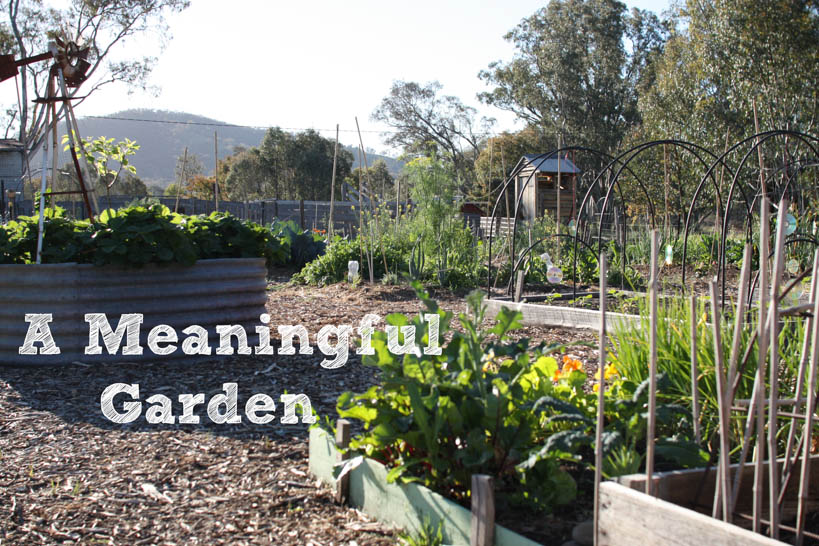 A Meaningful Garden || thinkbiglivesimply.com