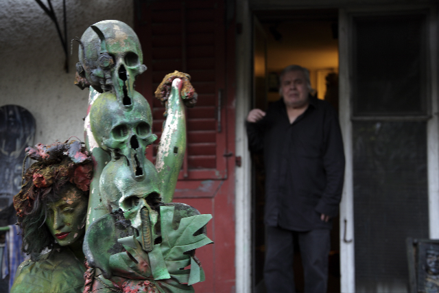 HR Giger at the garden door.   December 2011   ©   Christian Schwarz