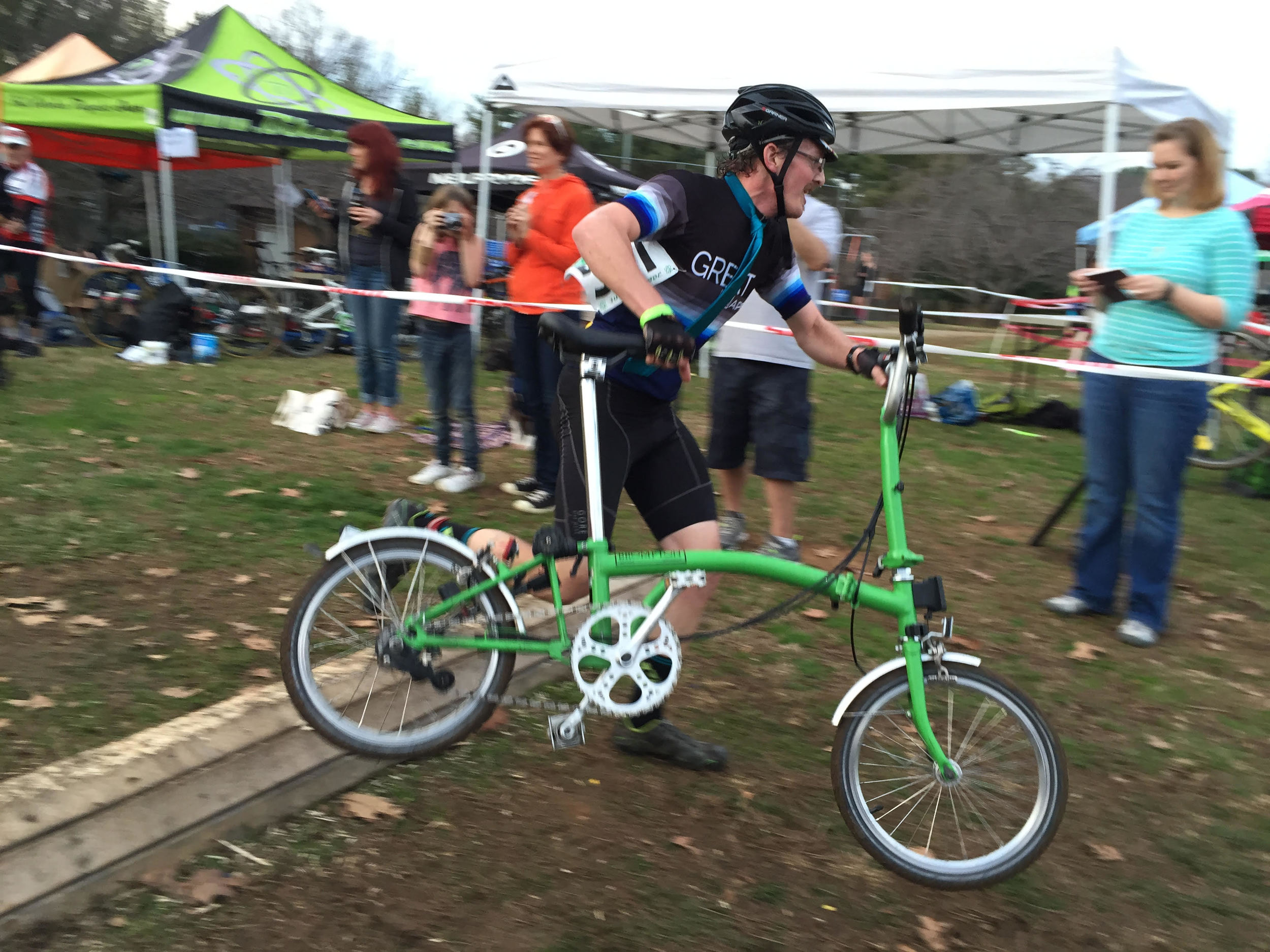 Phill giving the Brompton a taste of cross in the  Anything Goes  category