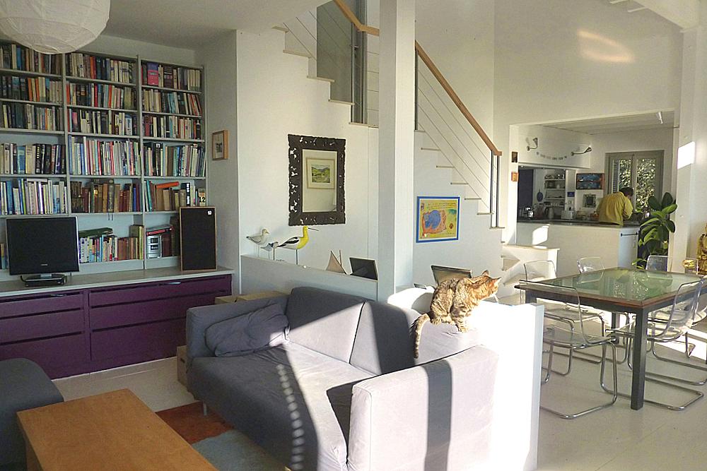 7 living room rgb auto.jpg