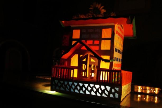 13-12-24-Christmas-Decorations-01-613x409.jpg