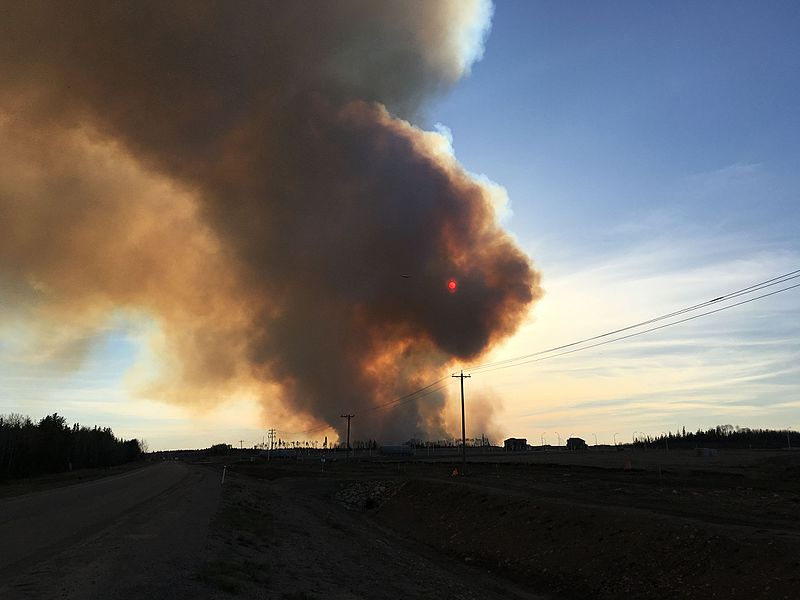 2016 Fort McMurray wildfire on May 1. By Jason Woodhead [CC BY 2.0 (http://creativecommons.org/licenses/by/2.0)], via Wikimedia Commons