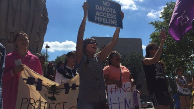 Protestors against Dakota Access Pipeline ( BBC )