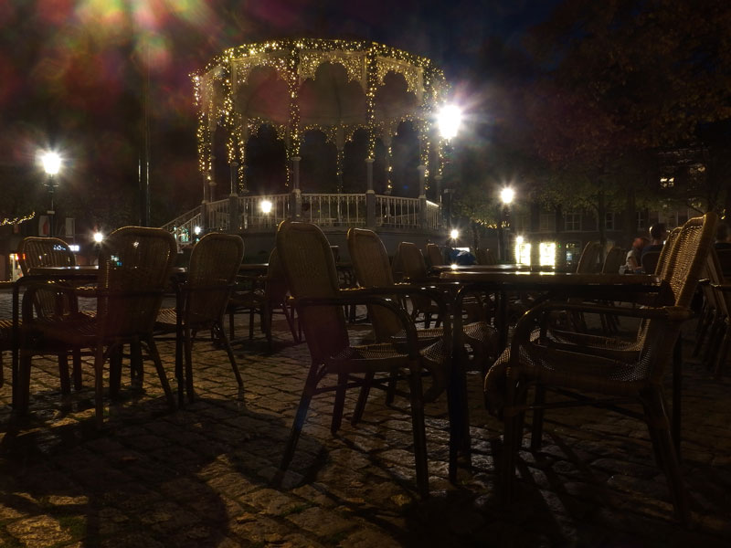 we ended this day which gave me really a holiday feeling at a terrace in the shadow of the munster with a lovely dinner and a cherry beer