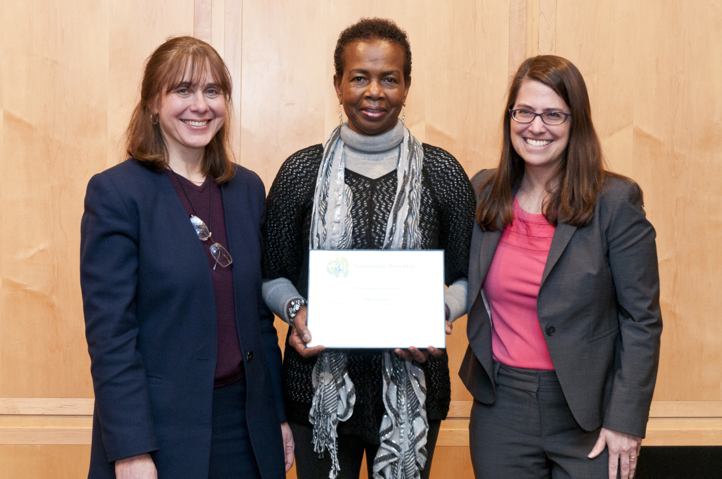 Vikki Caines accepting award with Sustainable Princeton Vice-Chair, Heidi Fichtenbaum and Mayor Liz Lempert. Photo by Cyndi Shattuck.