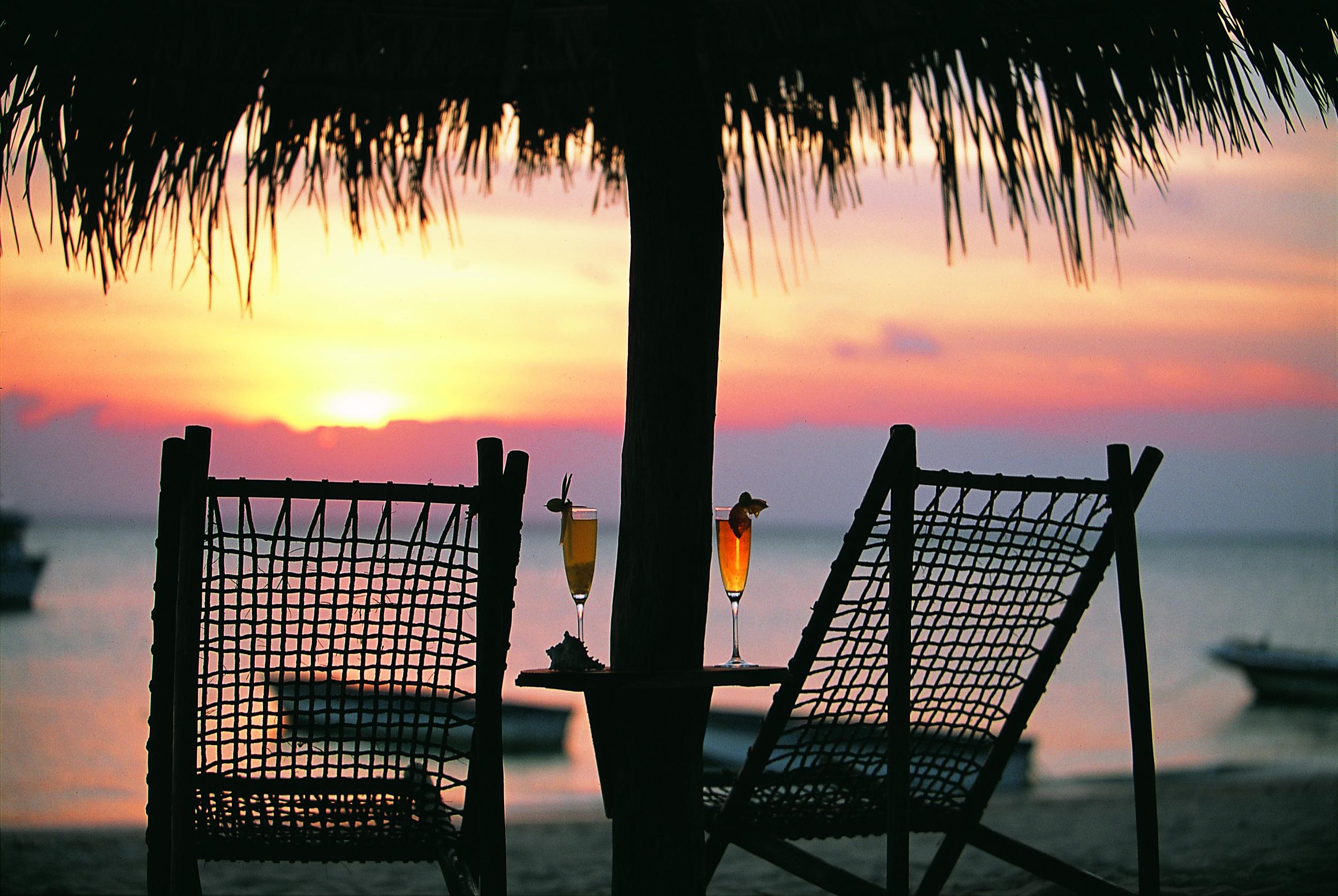 Beach cocktail sunset.jpg
