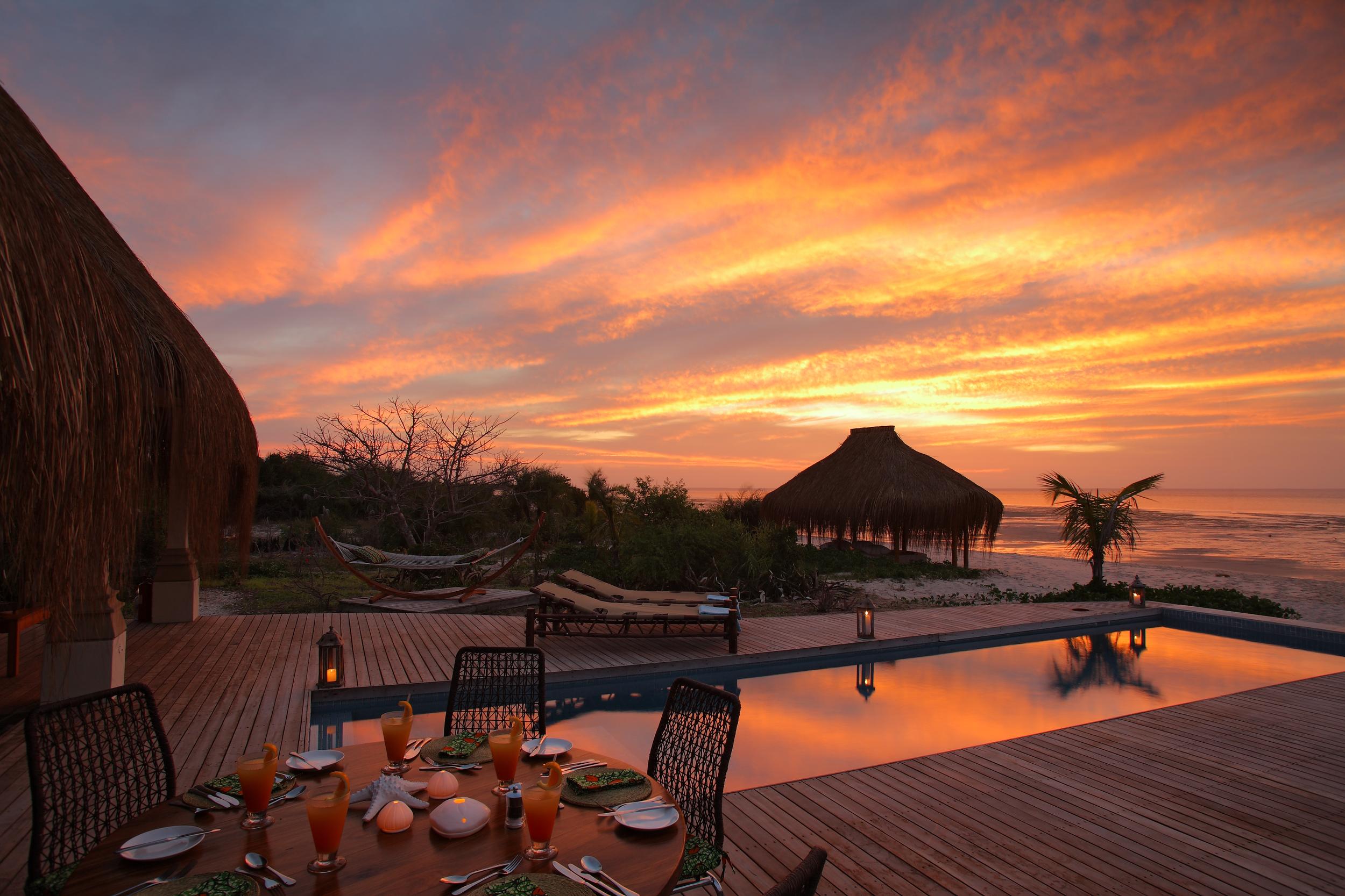 Villa Amizade Sunset hi res.jpg