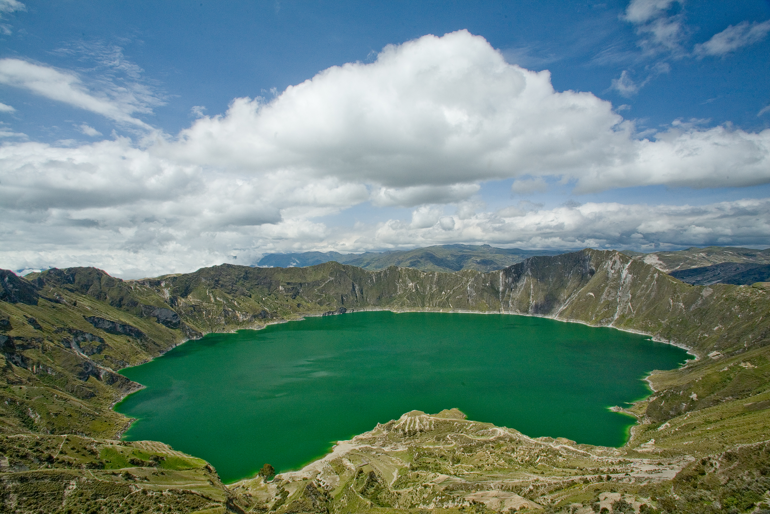 Quilotoa crater lake.jpg