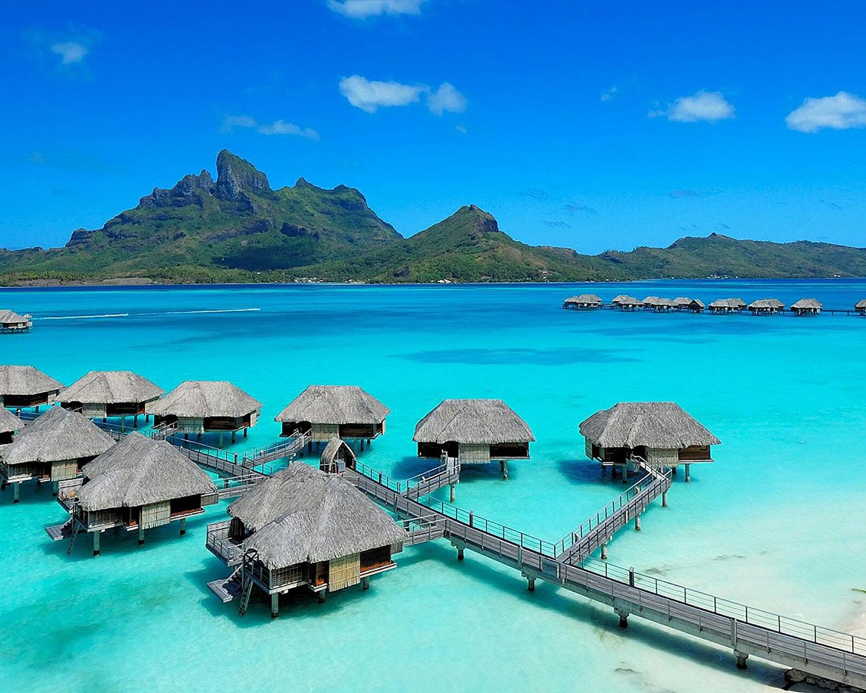 Four Seasons Bora Bora 04.jpg