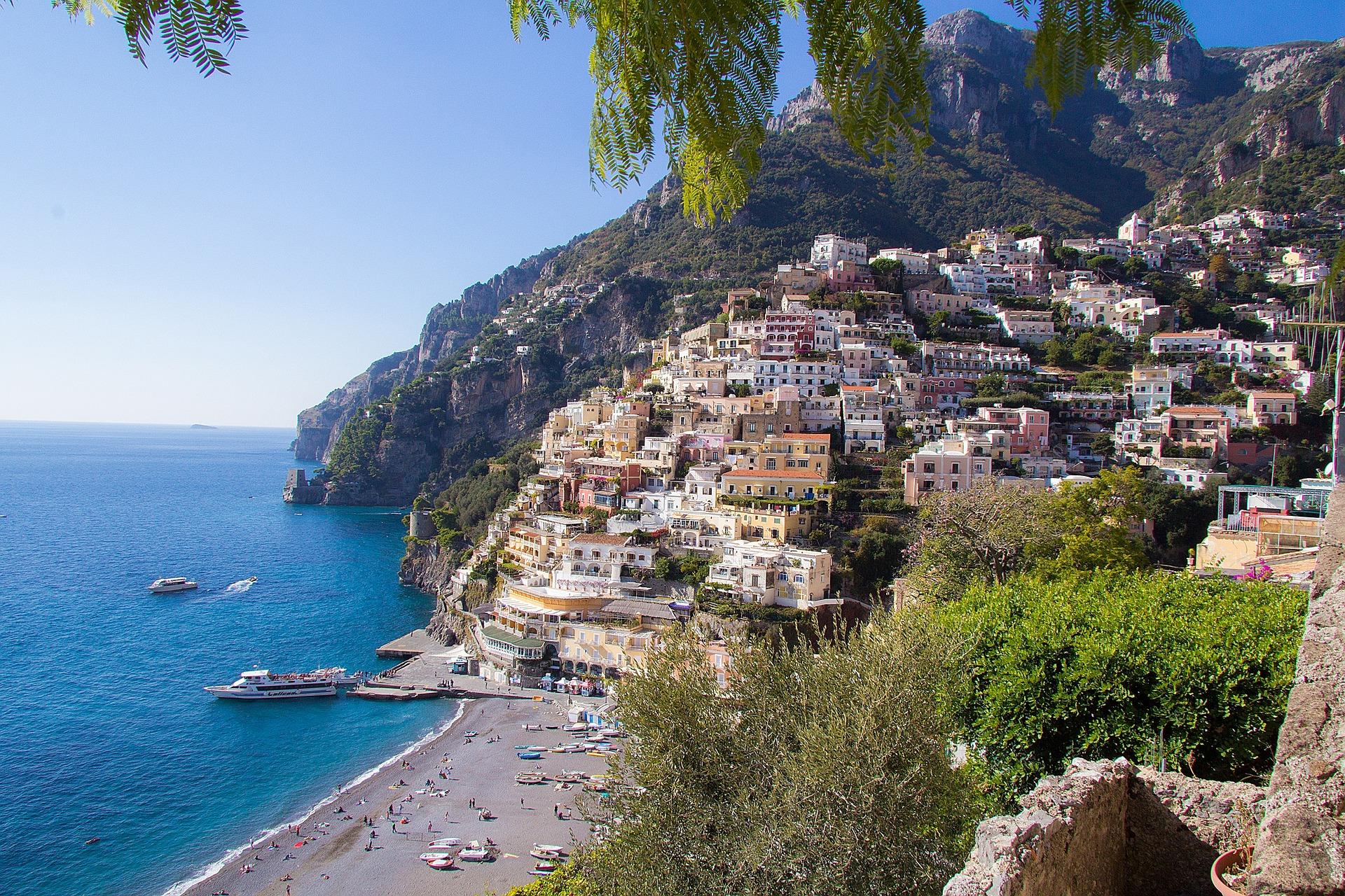 amalfi-coast-862299_1920.jpg
