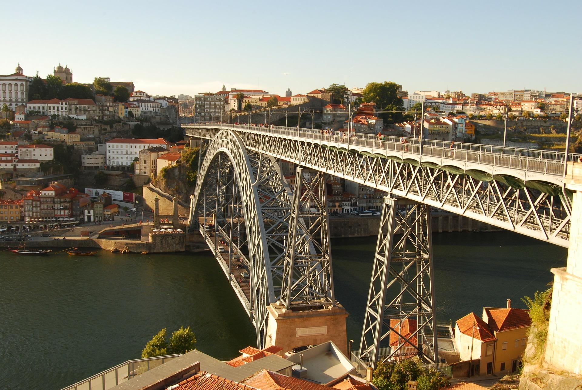 iron-bridge-76971_1920.jpg