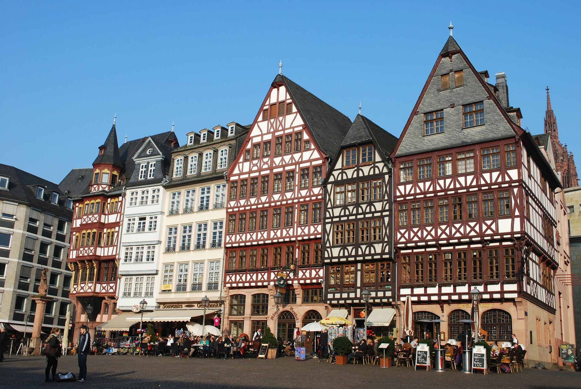 frankfurt-282598_1920.jpg