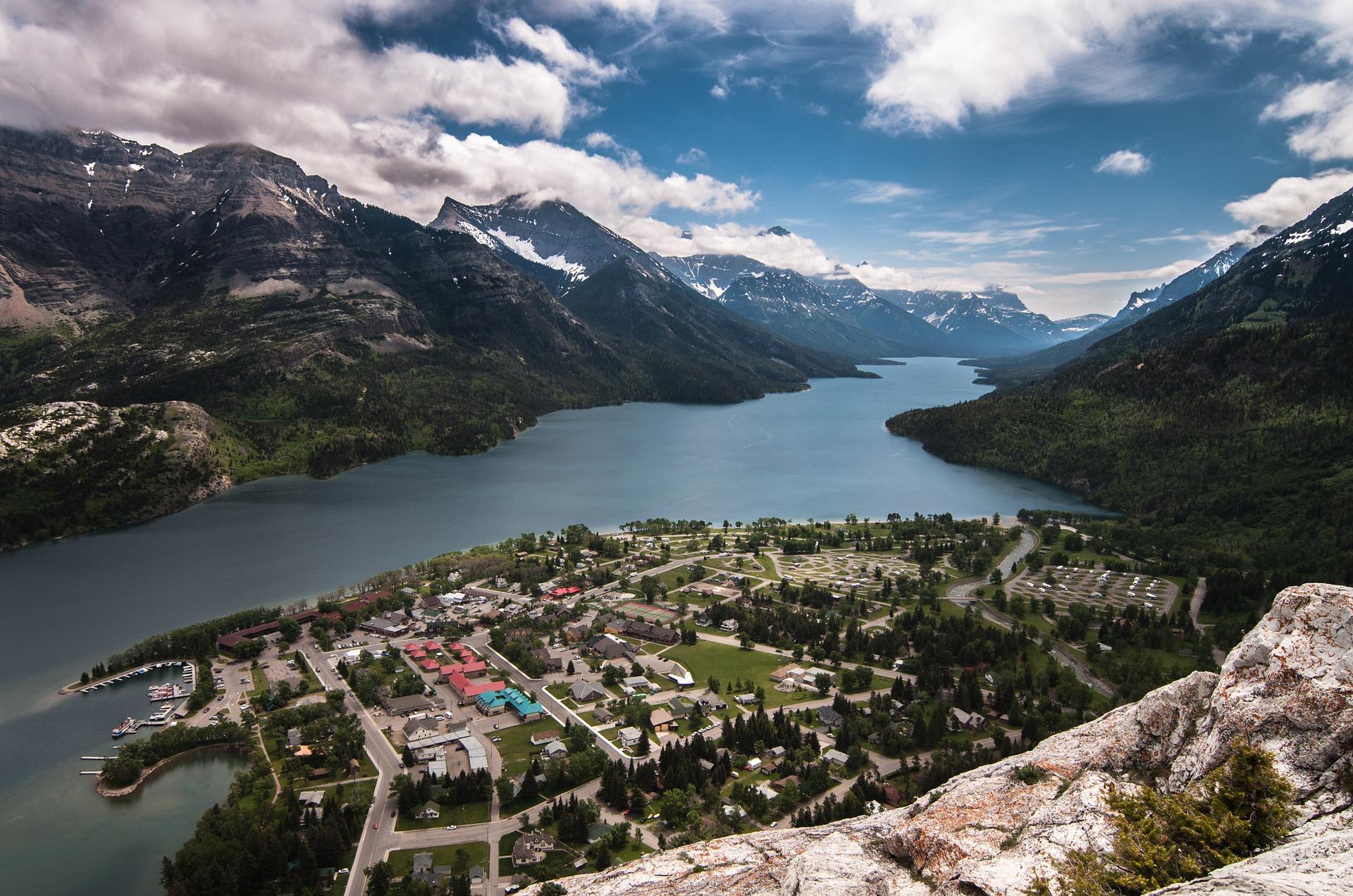 fjord-828990_1920.jpg