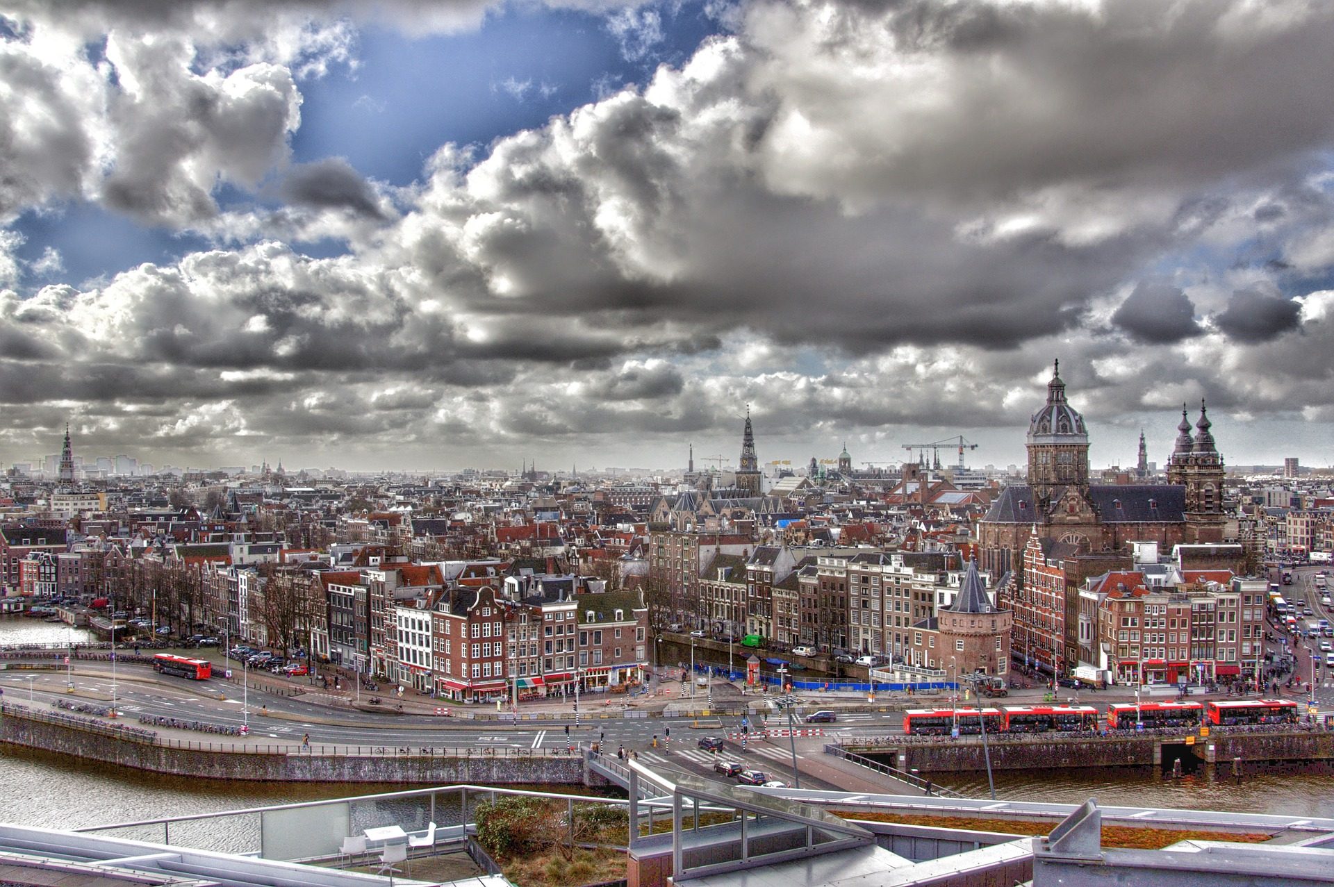 amsterdam-683518_1920.jpg
