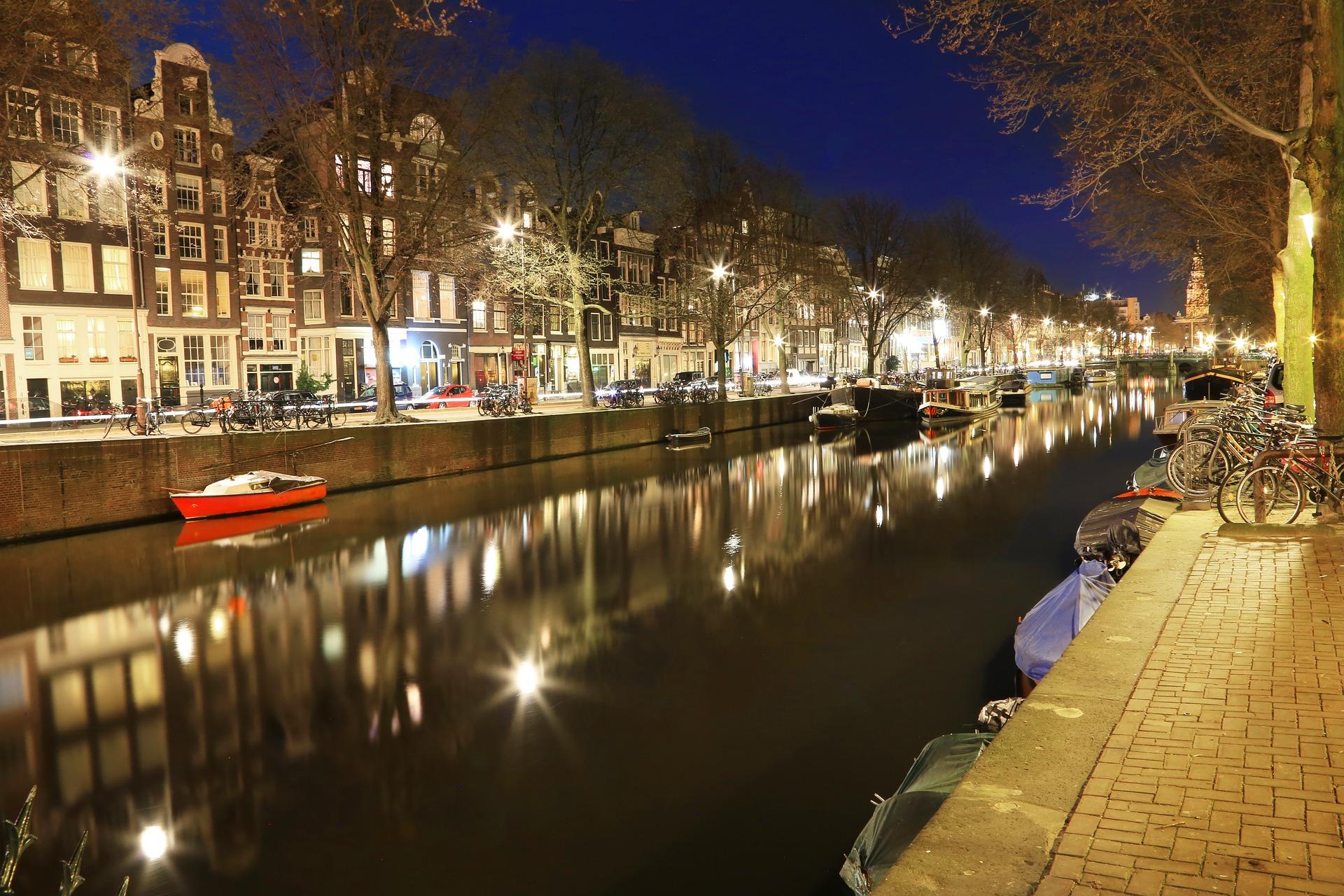 amsterdam-734235_1920.jpg