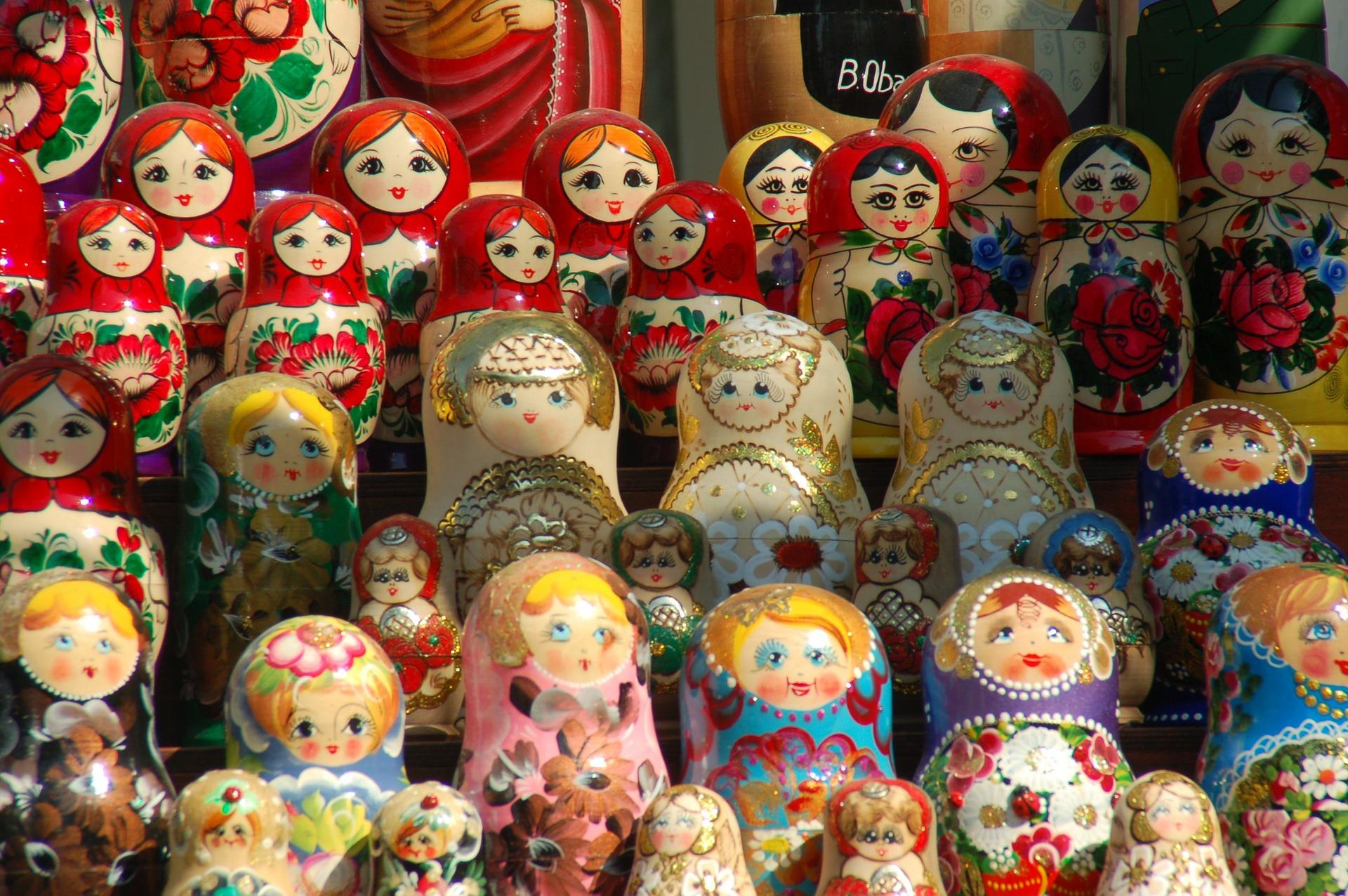 russian-dolls-345064_1920.jpg