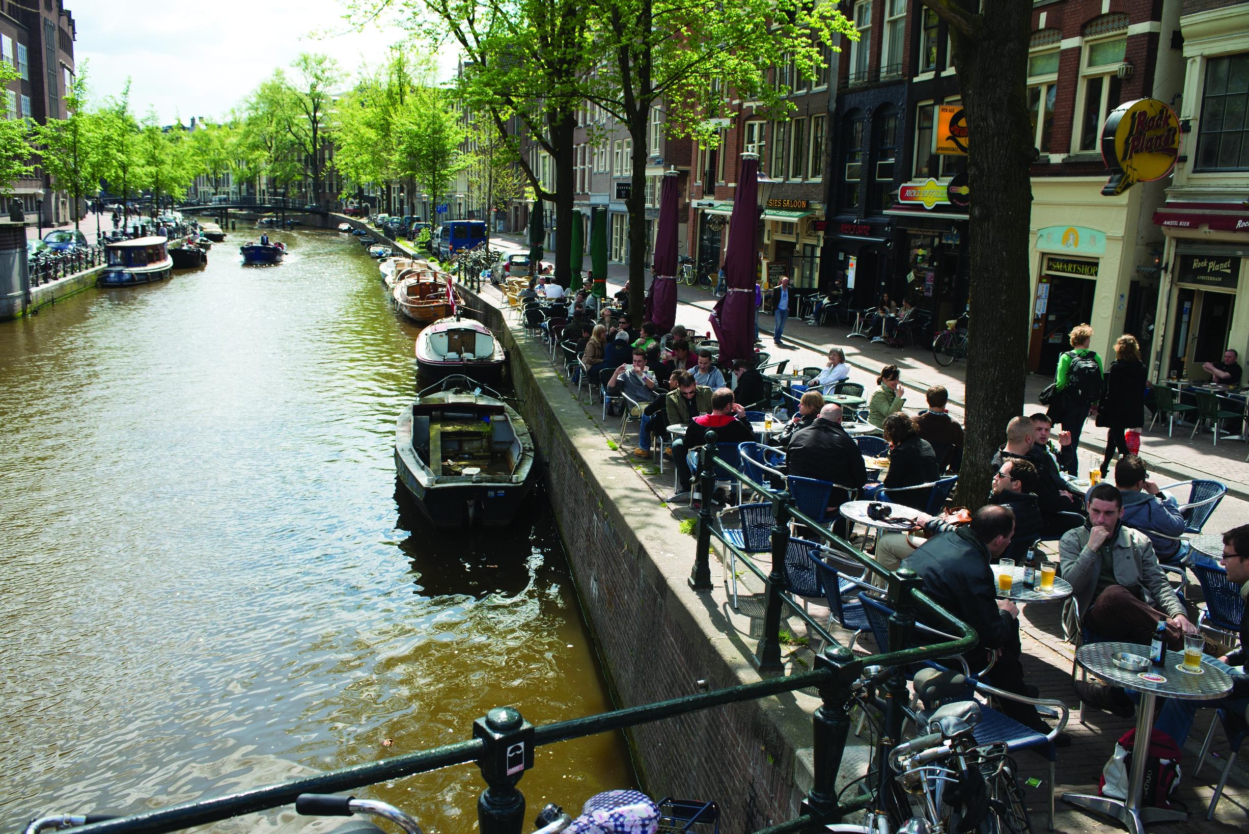 terrace-amsterdam-canals_high_rgb_3415.jpg