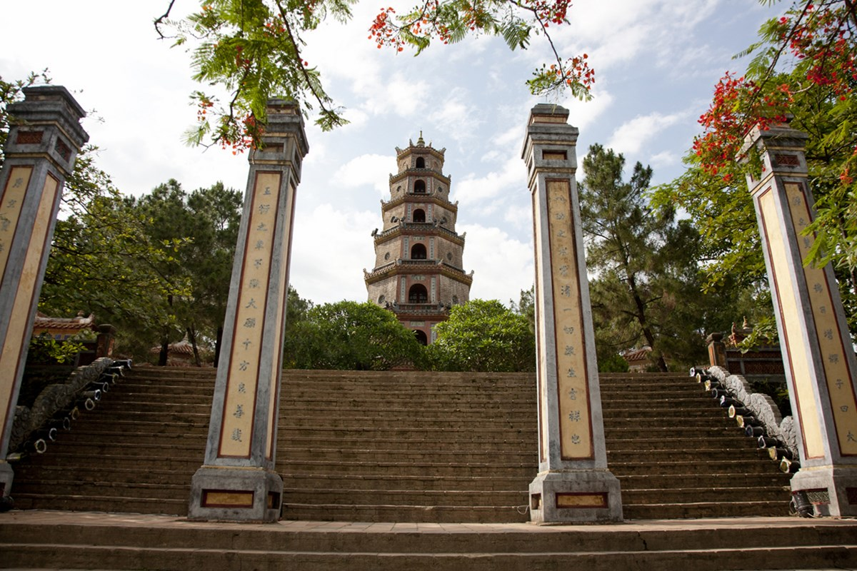 Thien Mu Pagoda_0.jpg