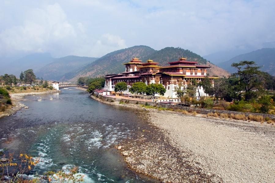 08 Punakha Dzong_1400x600.jpg