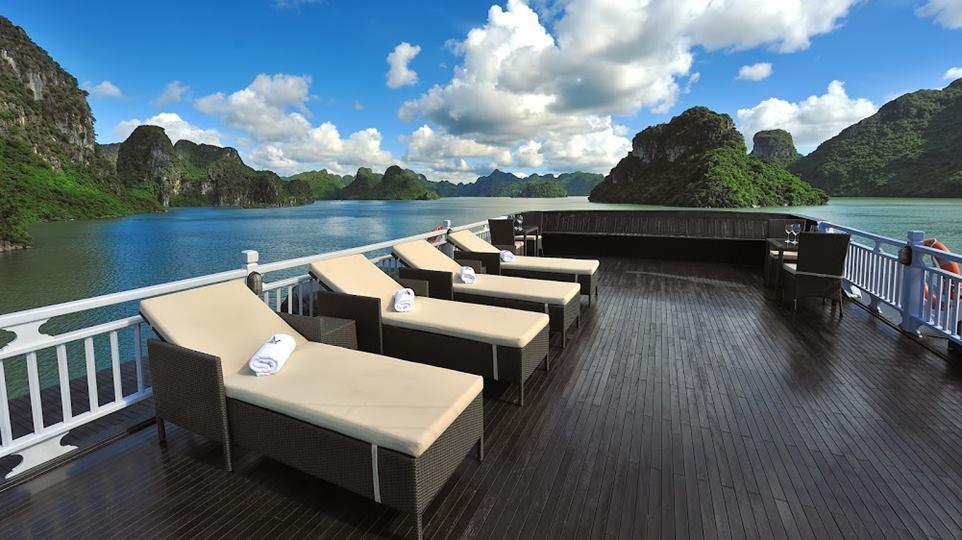 Paradise-Peak-Halong-Bay-Vietnam-Boat-cruise-37-.jpg