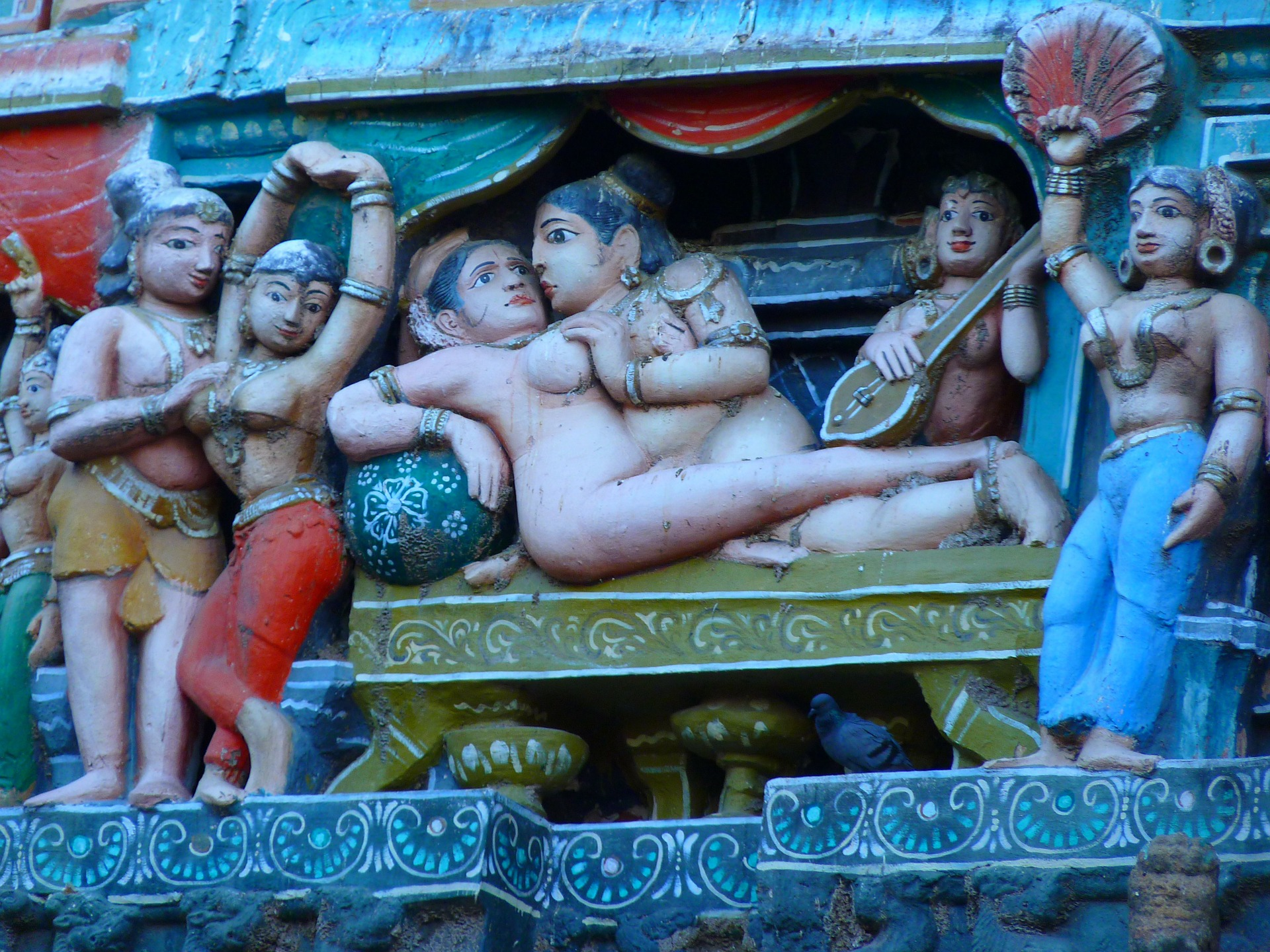 temple-figures-52012_1920.jpg