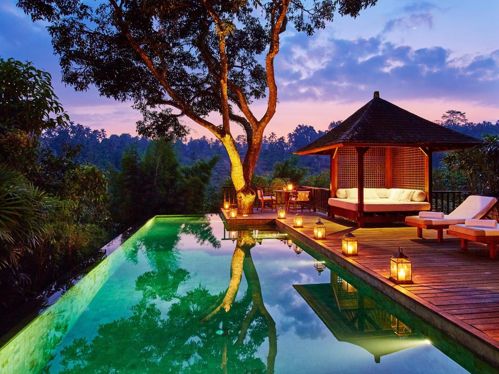 cse_sukma_taru_-_pool_by_night_3.jpg
