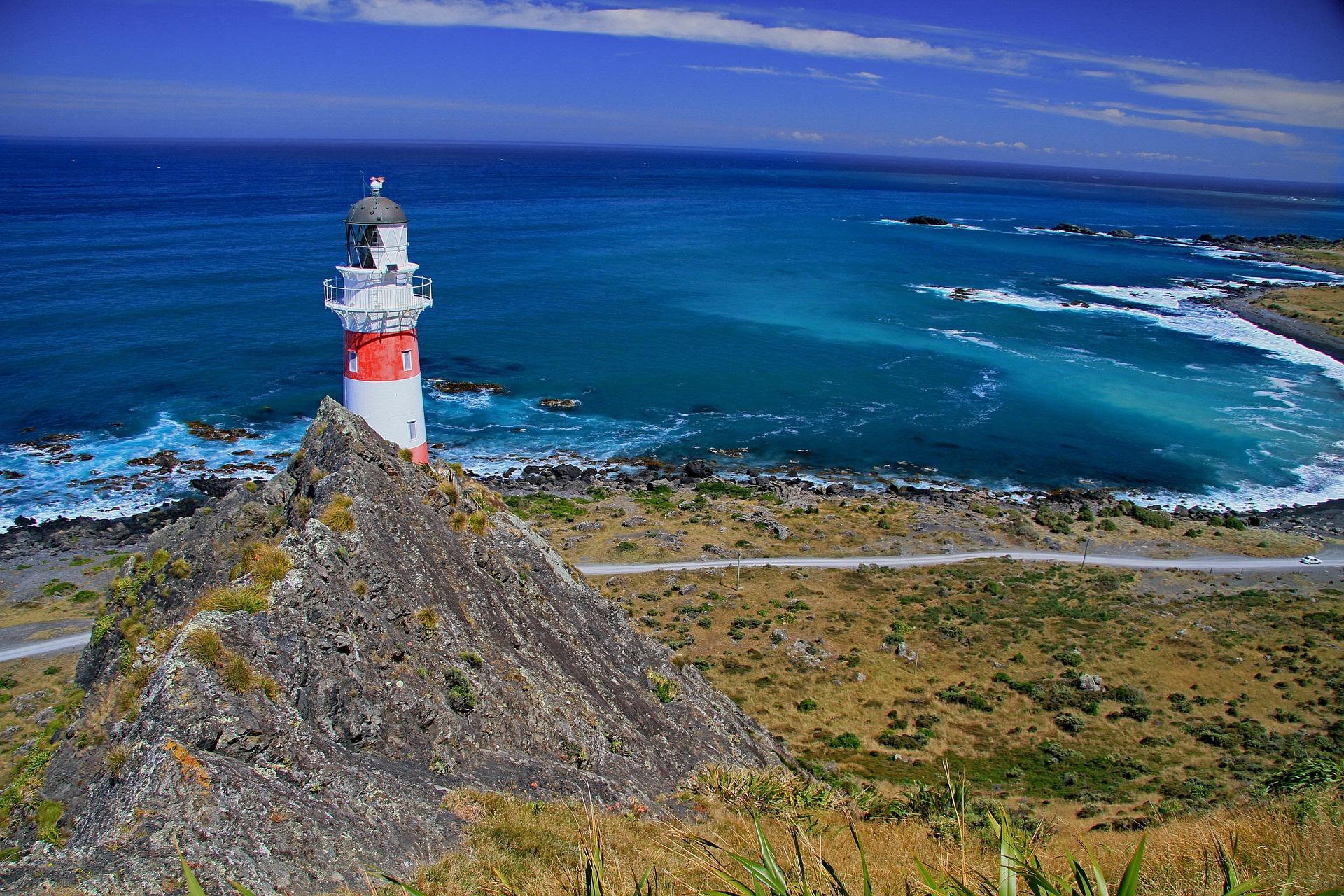 lighthouse-93489_1920.jpg