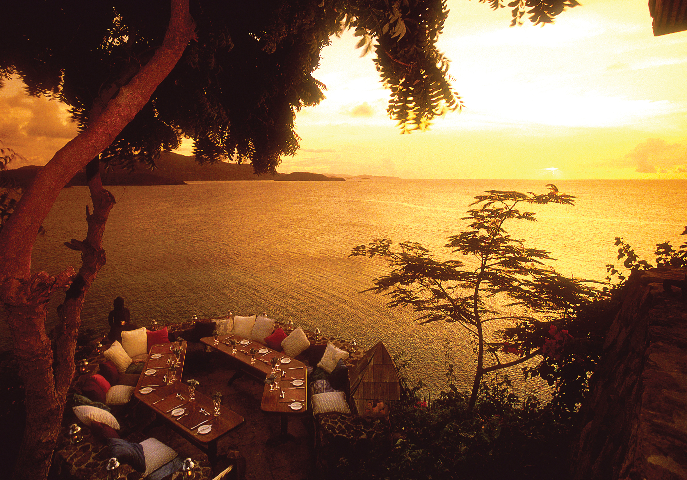 neckerisland-gallery-sunset_point-hi.jpg