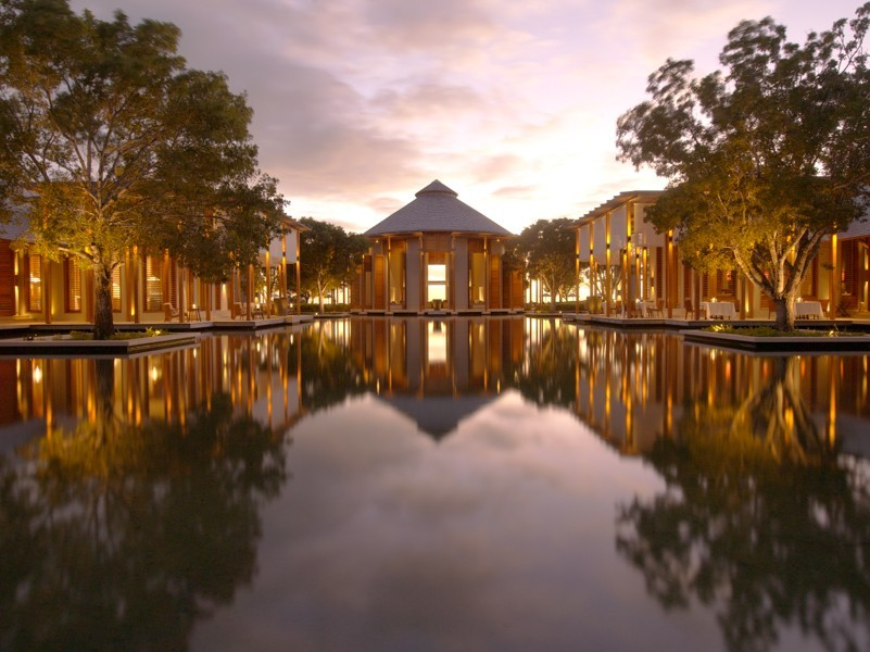 Yara Main Reflecting Pond_1400x600.jpg