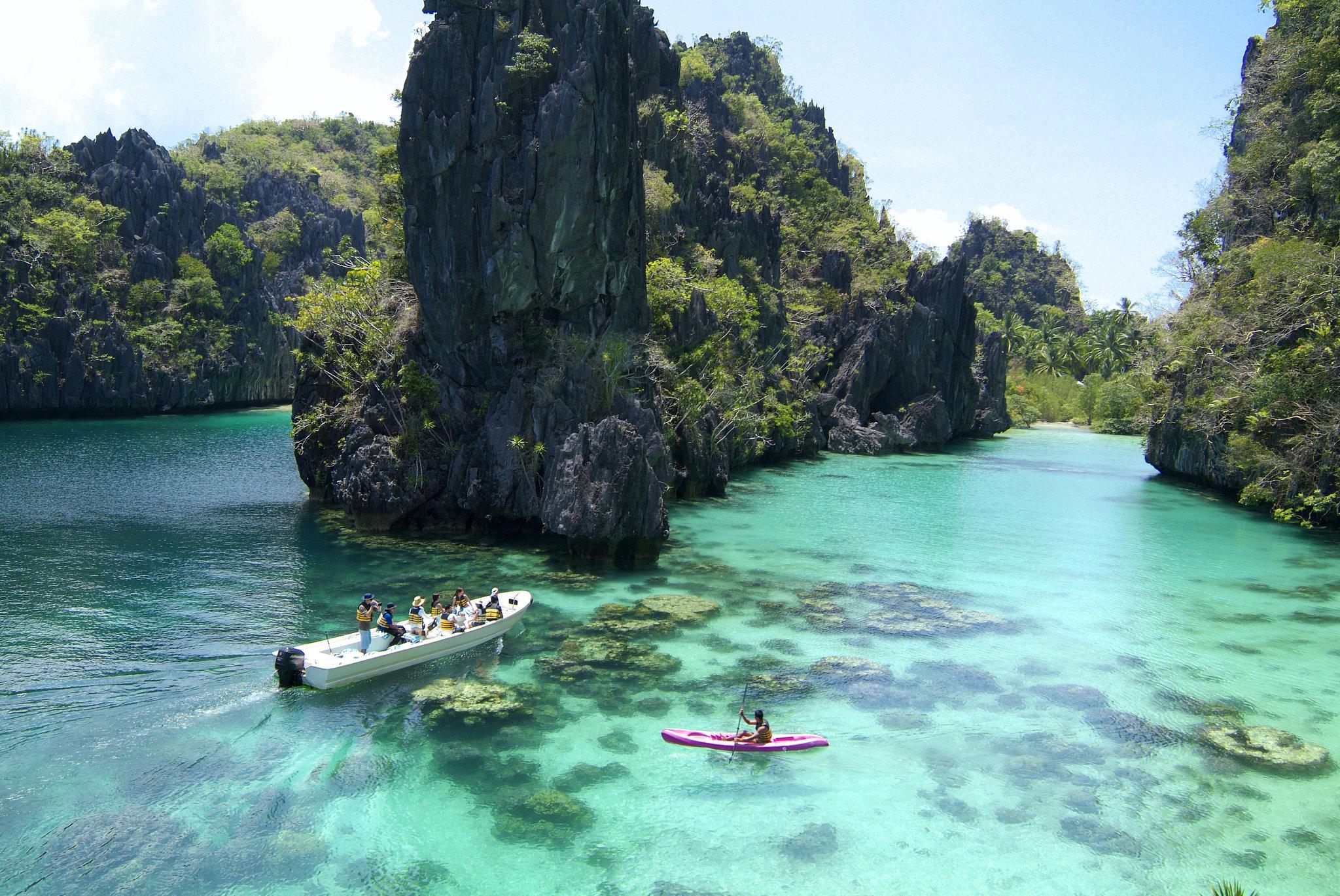 Kayaking_at_the_Big_Lagoon_S.jpg