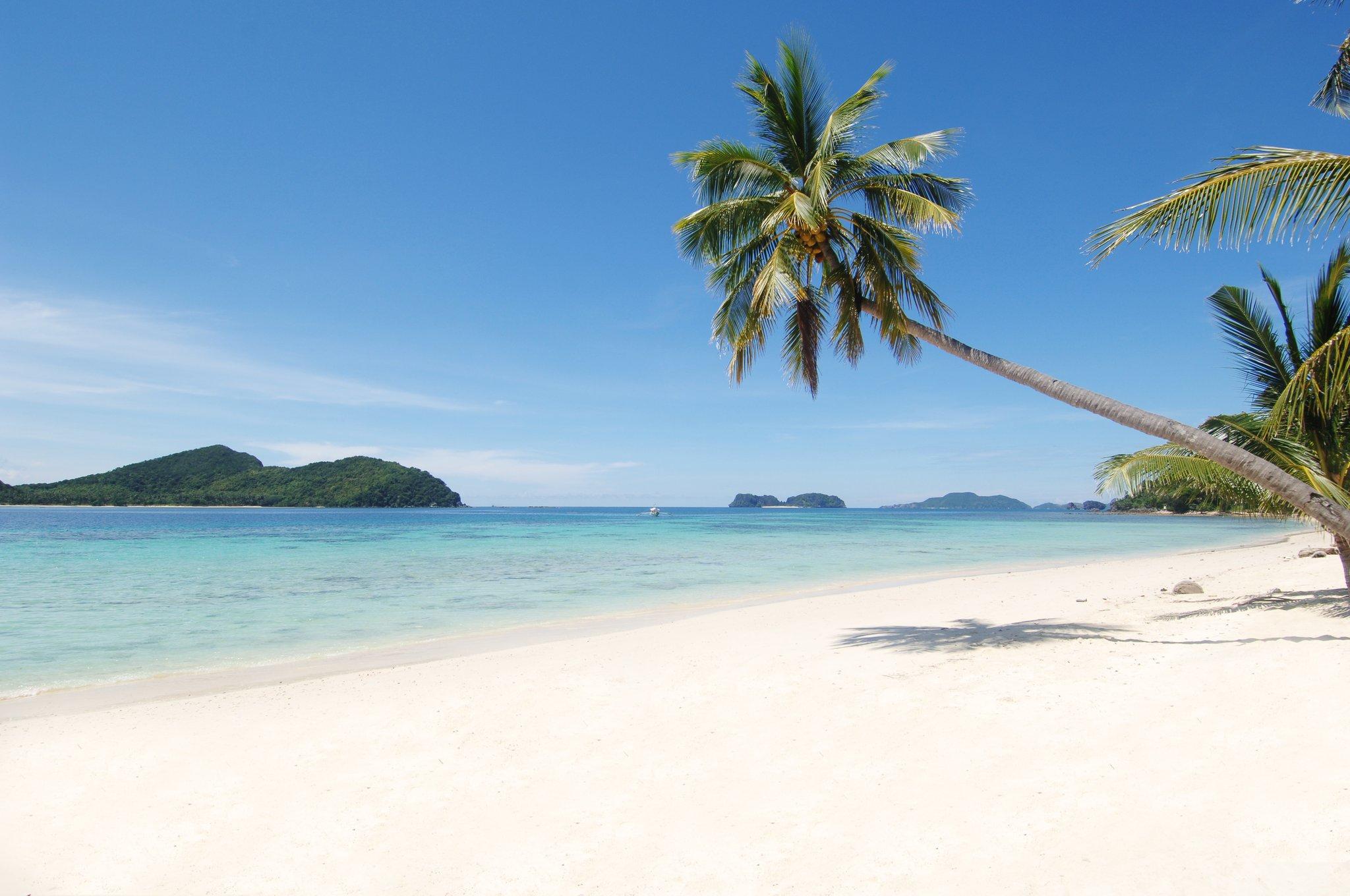 01.Pangulasian_Island_Resort_-_Beach_Area_S.jpg