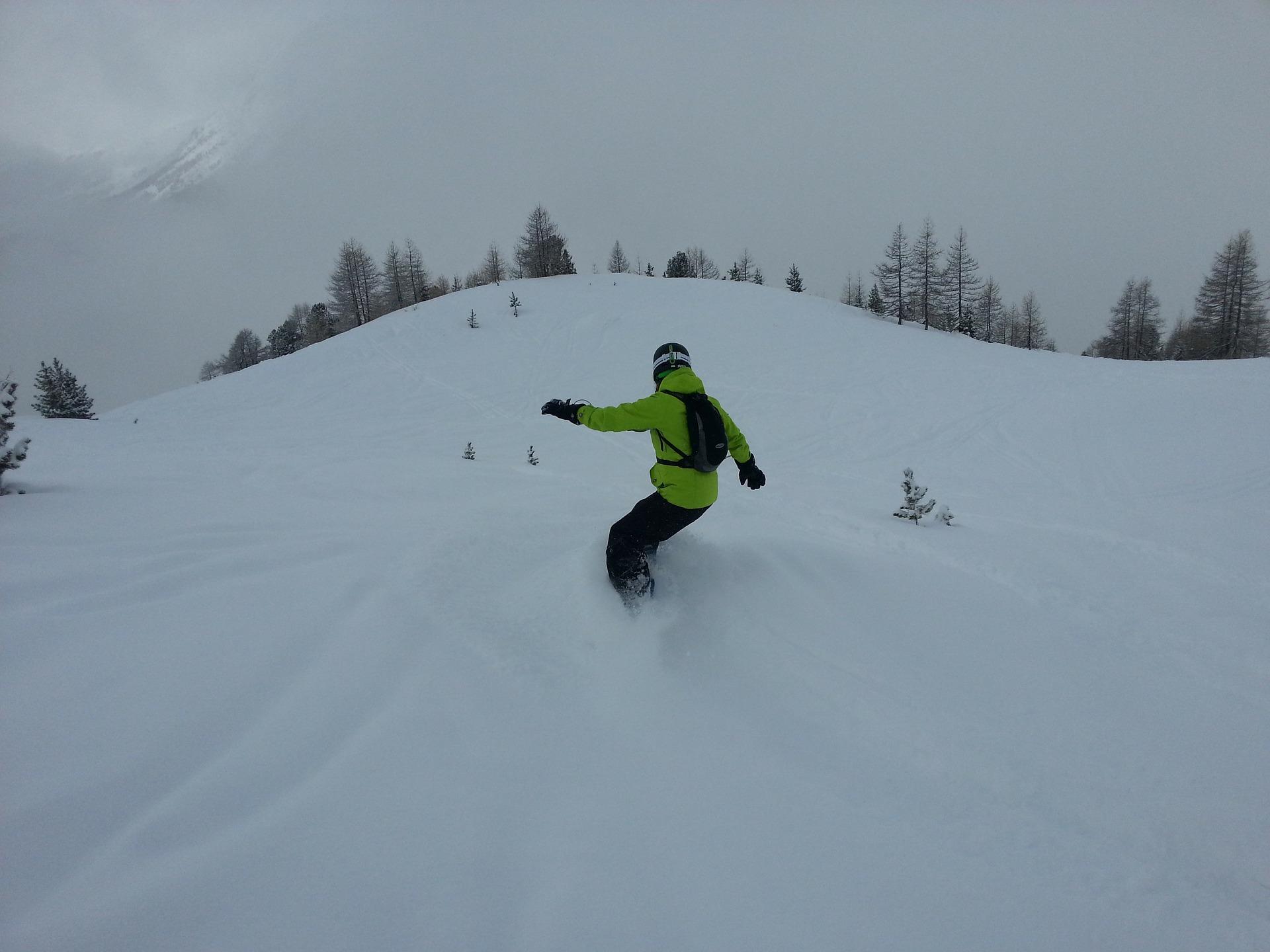 snowboard-170279_1920.jpg
