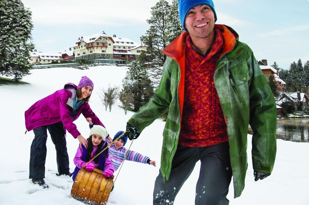 family-resort-winter.jpg